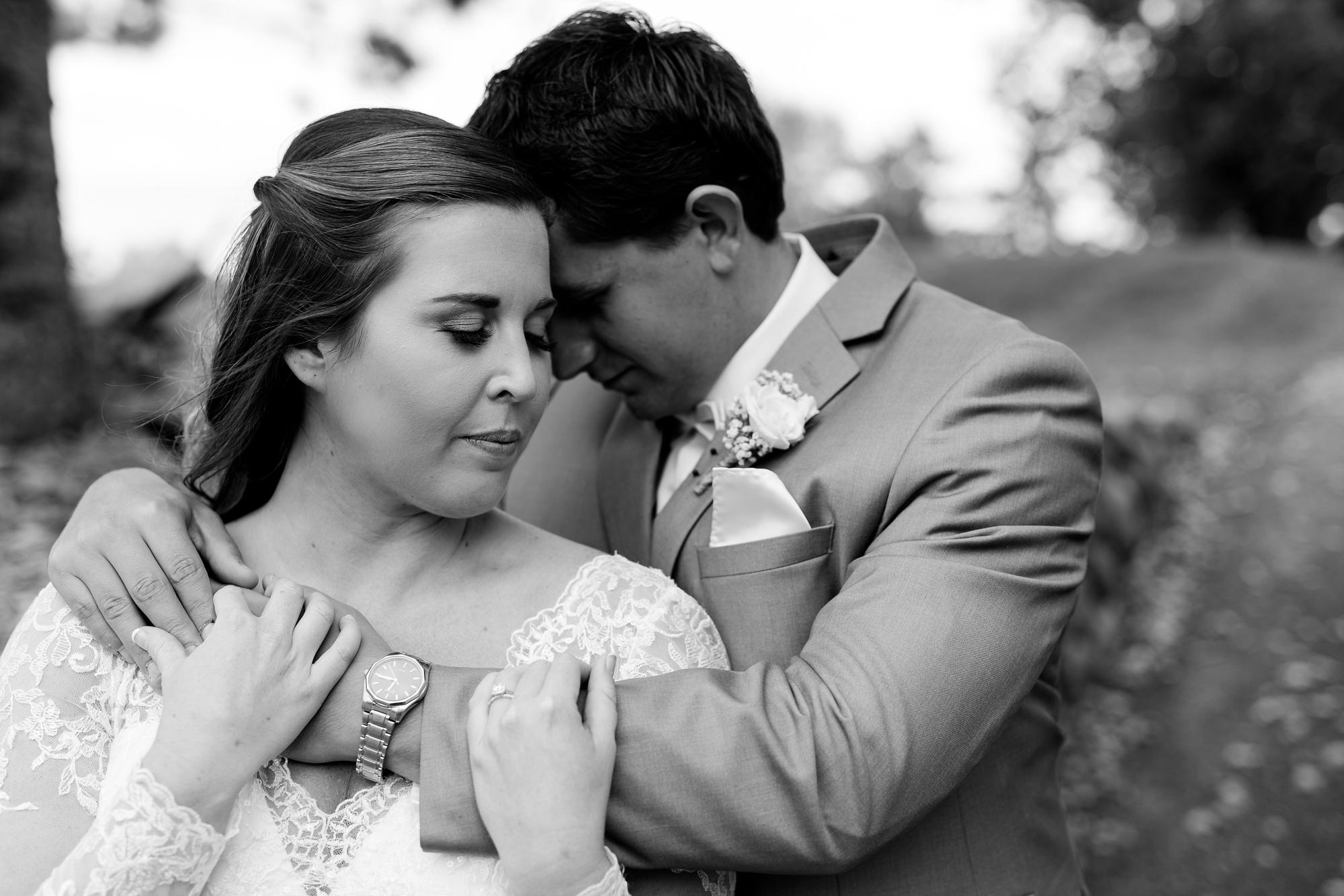 AmberLangerudPhotography_Fair Hills Resort Lakeside Wedding in Minnesota_3429.jpg