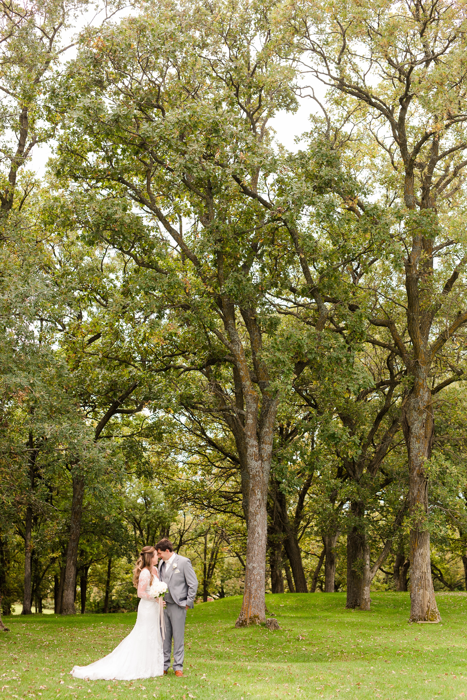 AmberLangerudPhotography_Fair Hills Resort Lakeside Wedding in Minnesota_3432.jpg