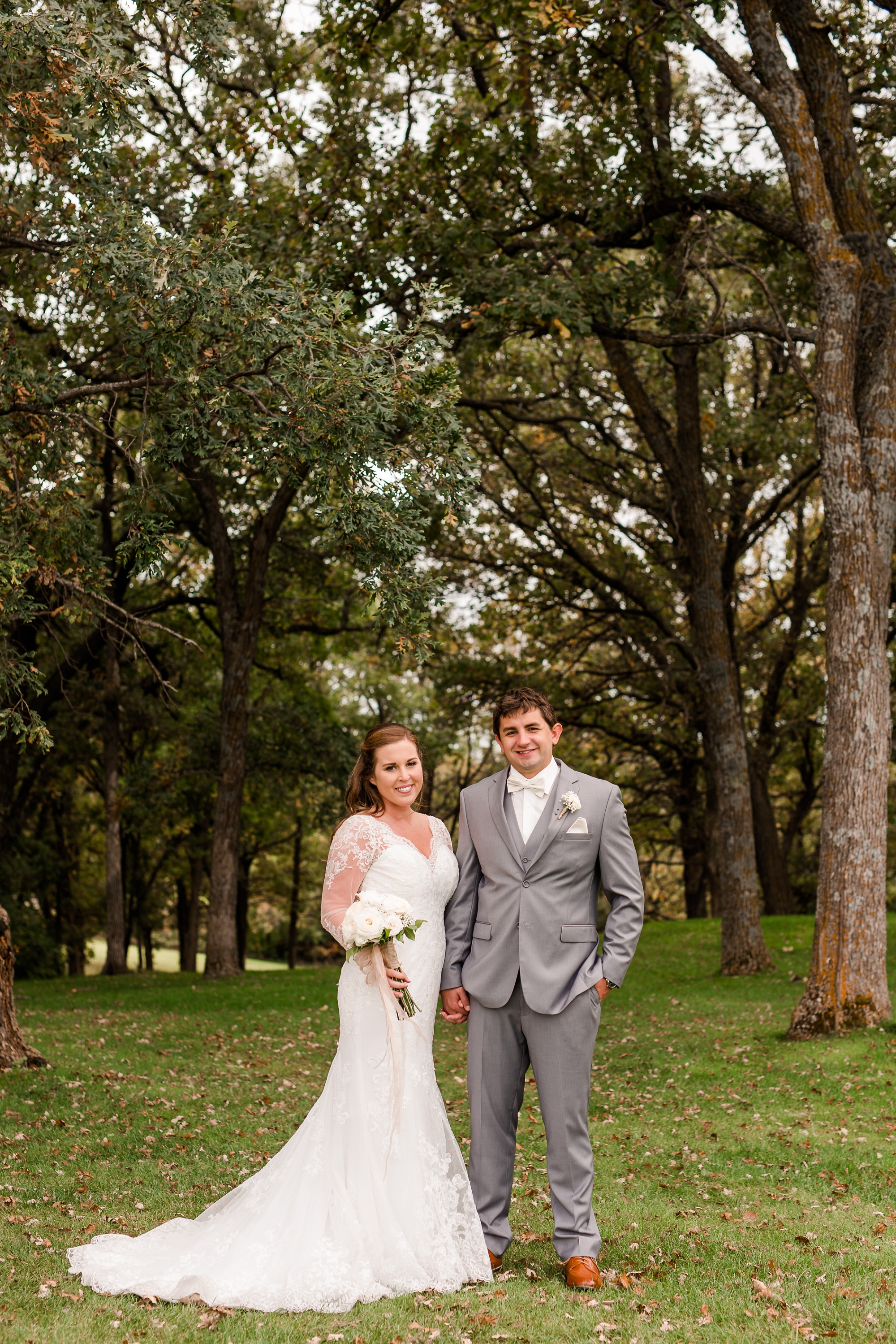 AmberLangerudPhotography_Fair Hills Resort Lakeside Wedding in Minnesota_3446.jpg
