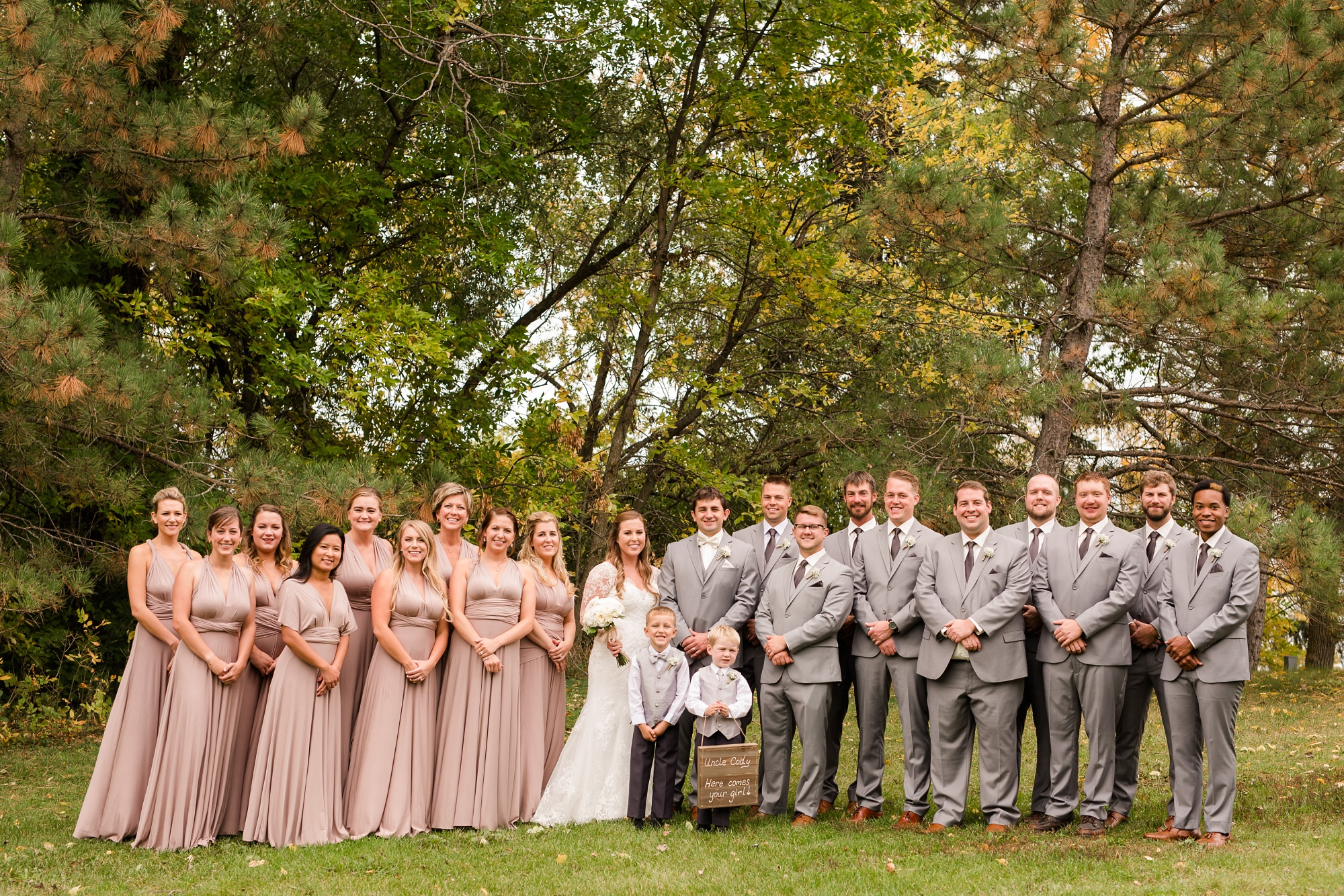 AmberLangerudPhotography_Fair Hills Resort Lakeside Wedding in Minnesota_3449.jpg