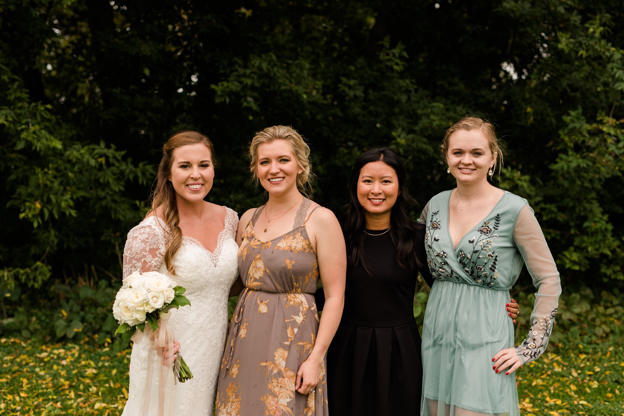 AmberLangerudPhotography_Fair Hills Resort Lakeside Wedding in Minnesota_3457.jpg