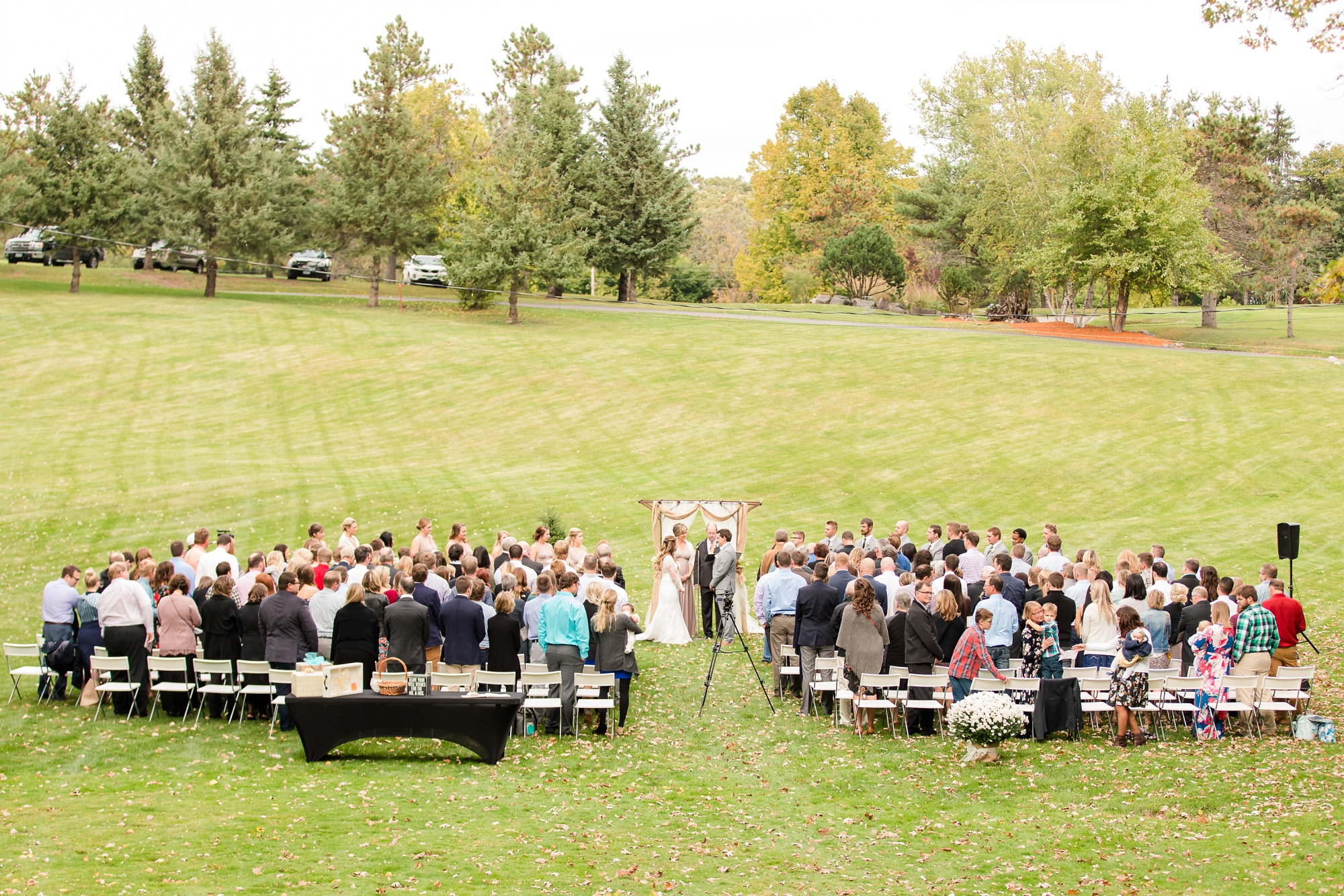 AmberLangerudPhotography_Fair Hills Resort Lakeside Wedding in Minnesota_3463.jpg