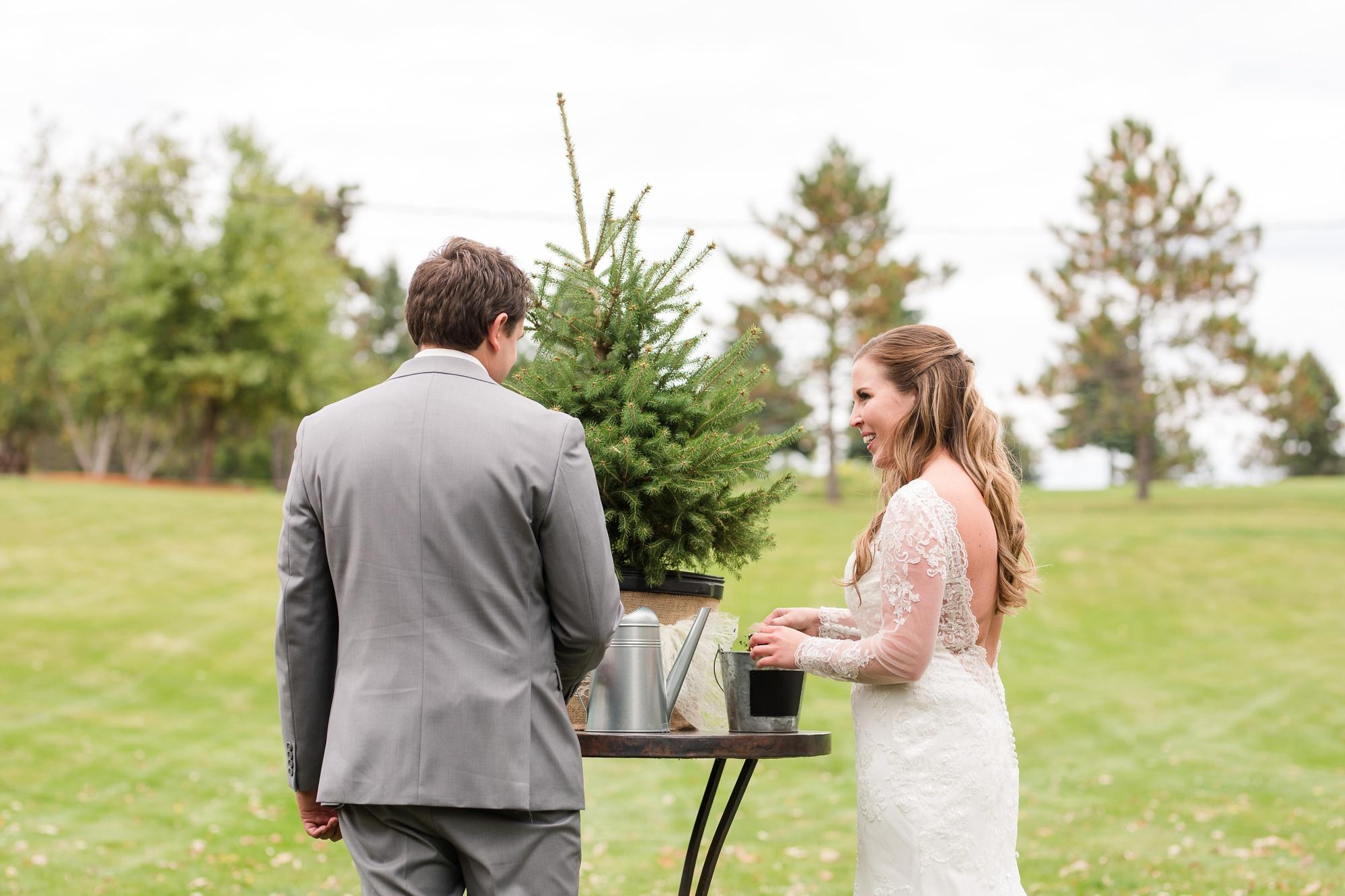 AmberLangerudPhotography_Fair Hills Resort Lakeside Wedding in Minnesota_3464.jpg