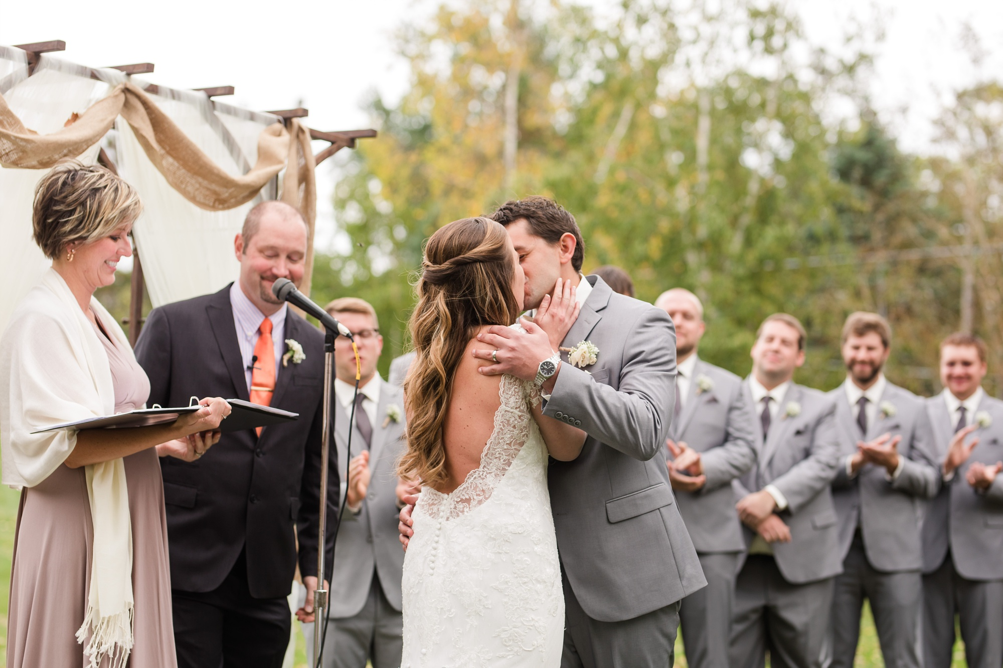 AmberLangerudPhotography_Fair Hills Resort Lakeside Wedding in Minnesota_3468.jpg