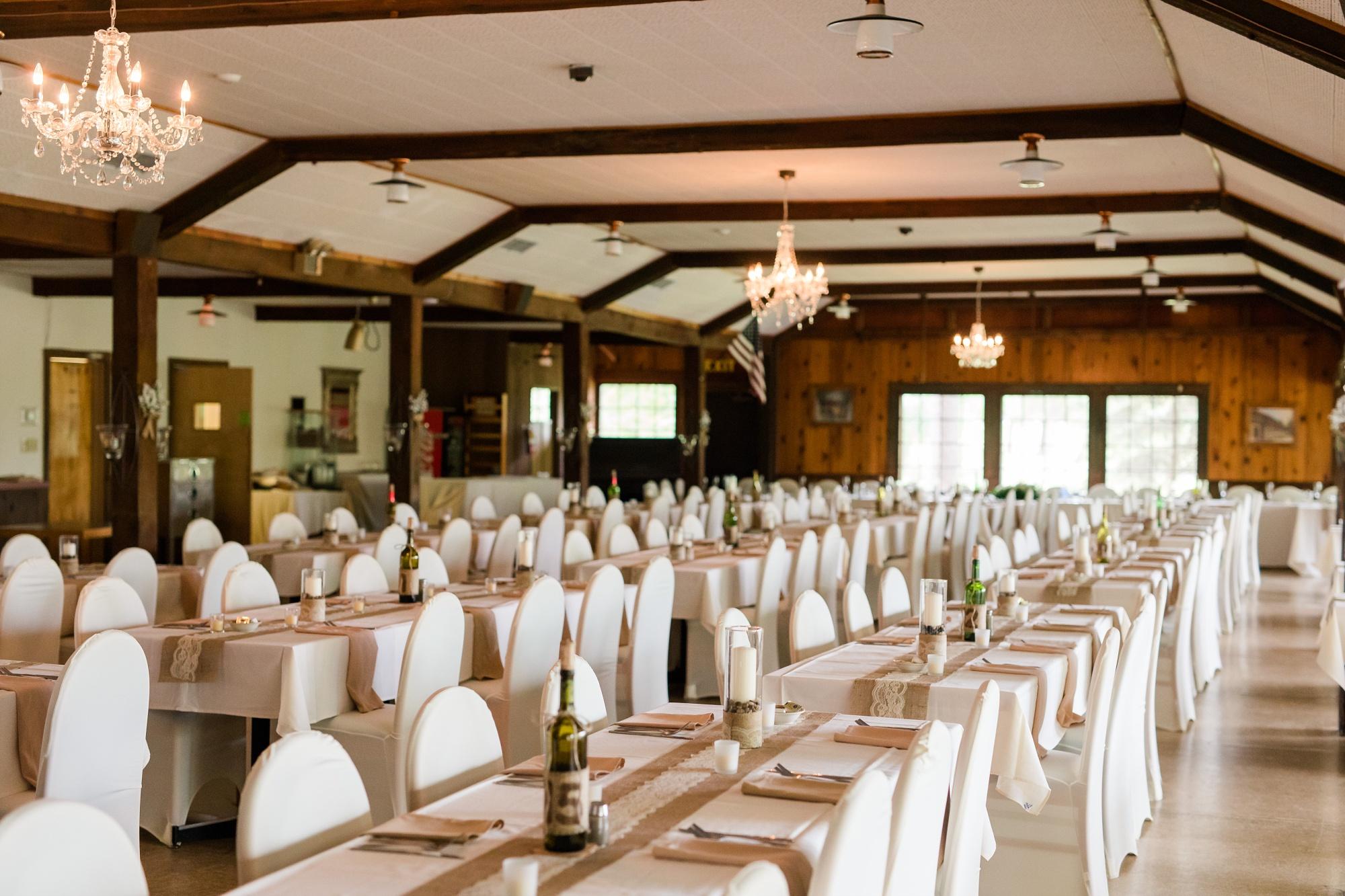 AmberLangerudPhotography_Fair Hills Resort Lakeside Wedding in Minnesota_3478.jpg