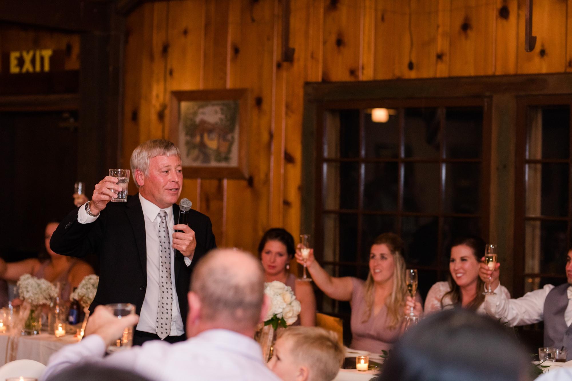 AmberLangerudPhotography_Fair Hills Resort Lakeside Wedding in Minnesota_3484.jpg