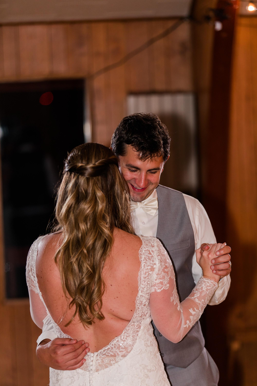 AmberLangerudPhotography_Fair Hills Resort Lakeside Wedding in Minnesota_3494.jpg