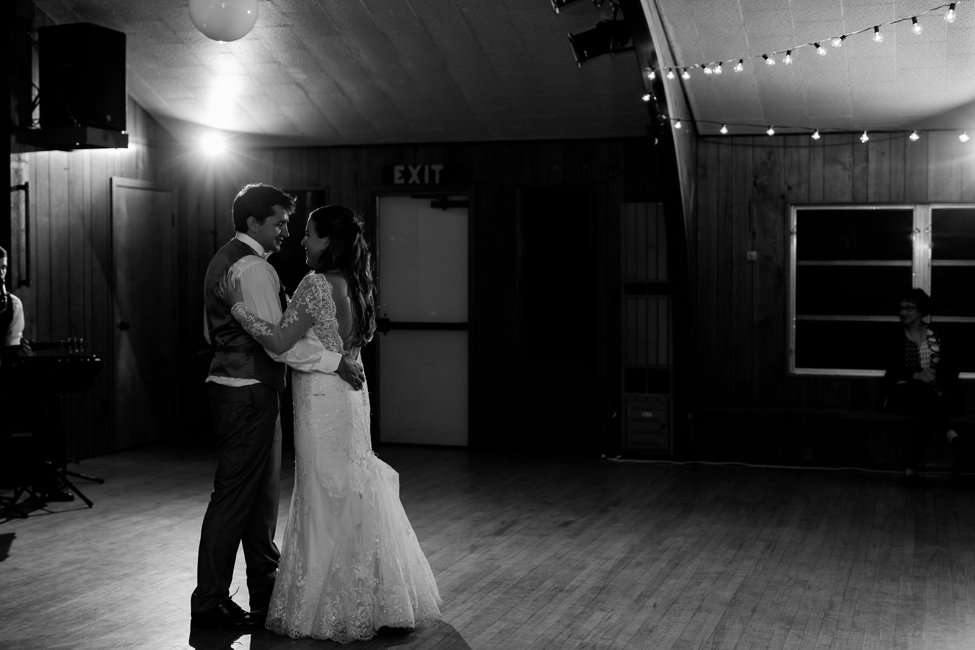 AmberLangerudPhotography_Fair Hills Resort Lakeside Wedding in Minnesota_3497.jpg