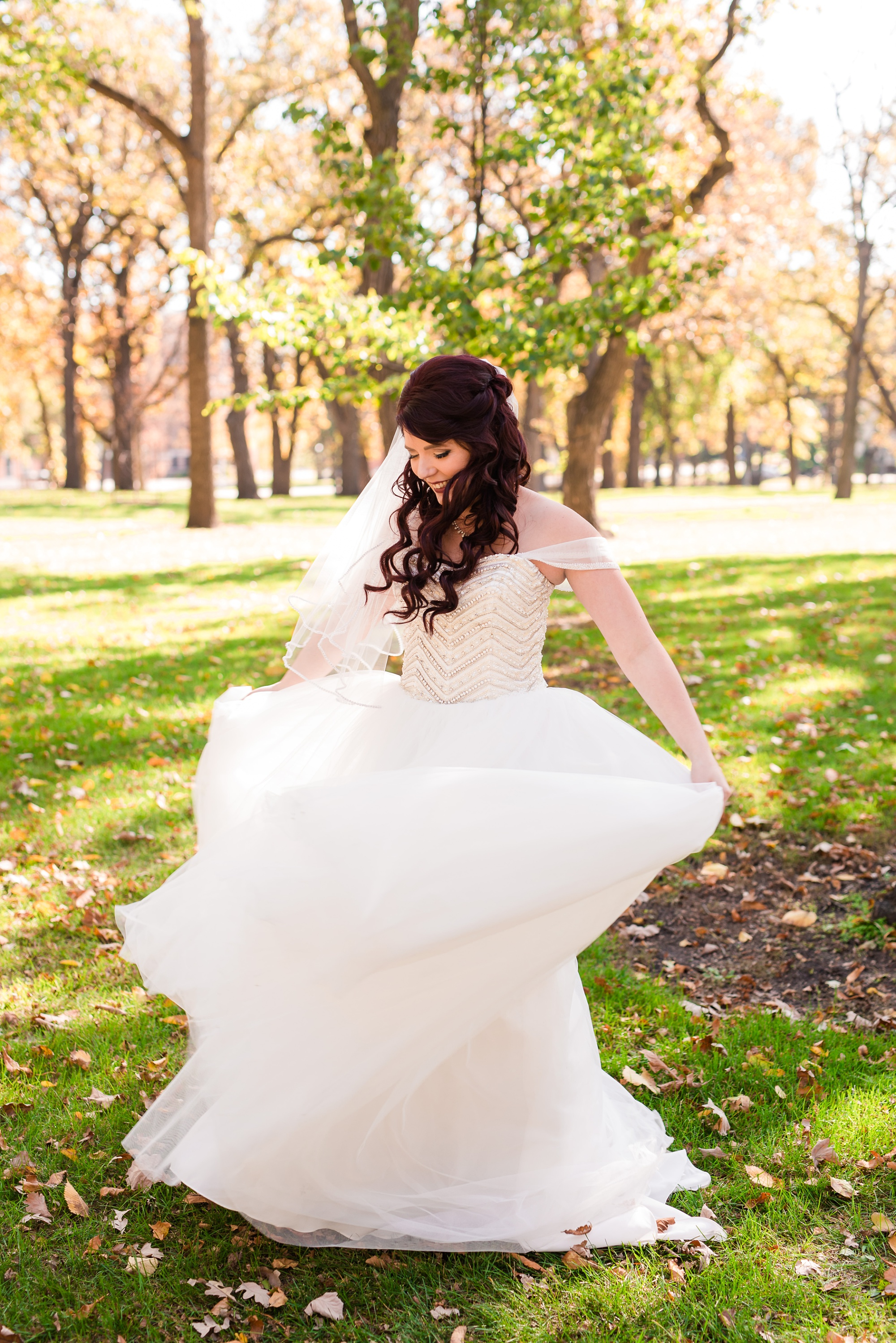 Downtown Fargo Disney Themed Wedding by Amber Langerud Photography | Bridal Portrait Island Park