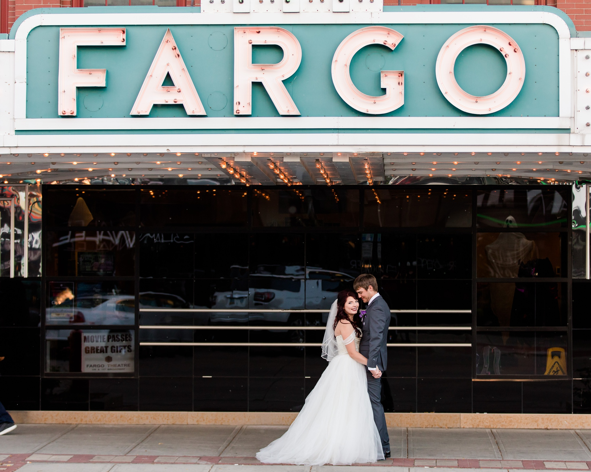 AmberLangerudPhotography_Downtown Fargo, ND Ramada Wedding_3696.jpg