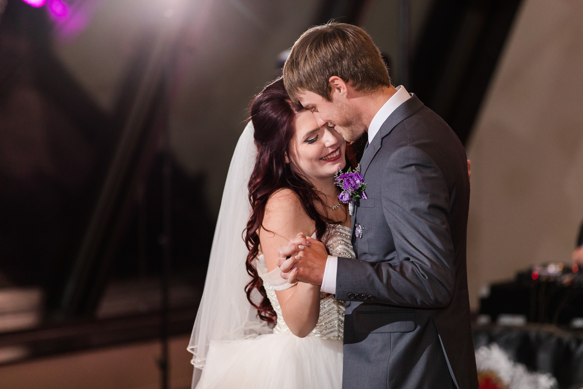 AmberLangerudPhotography_Downtown Fargo, ND Ramada Wedding_3703.jpg