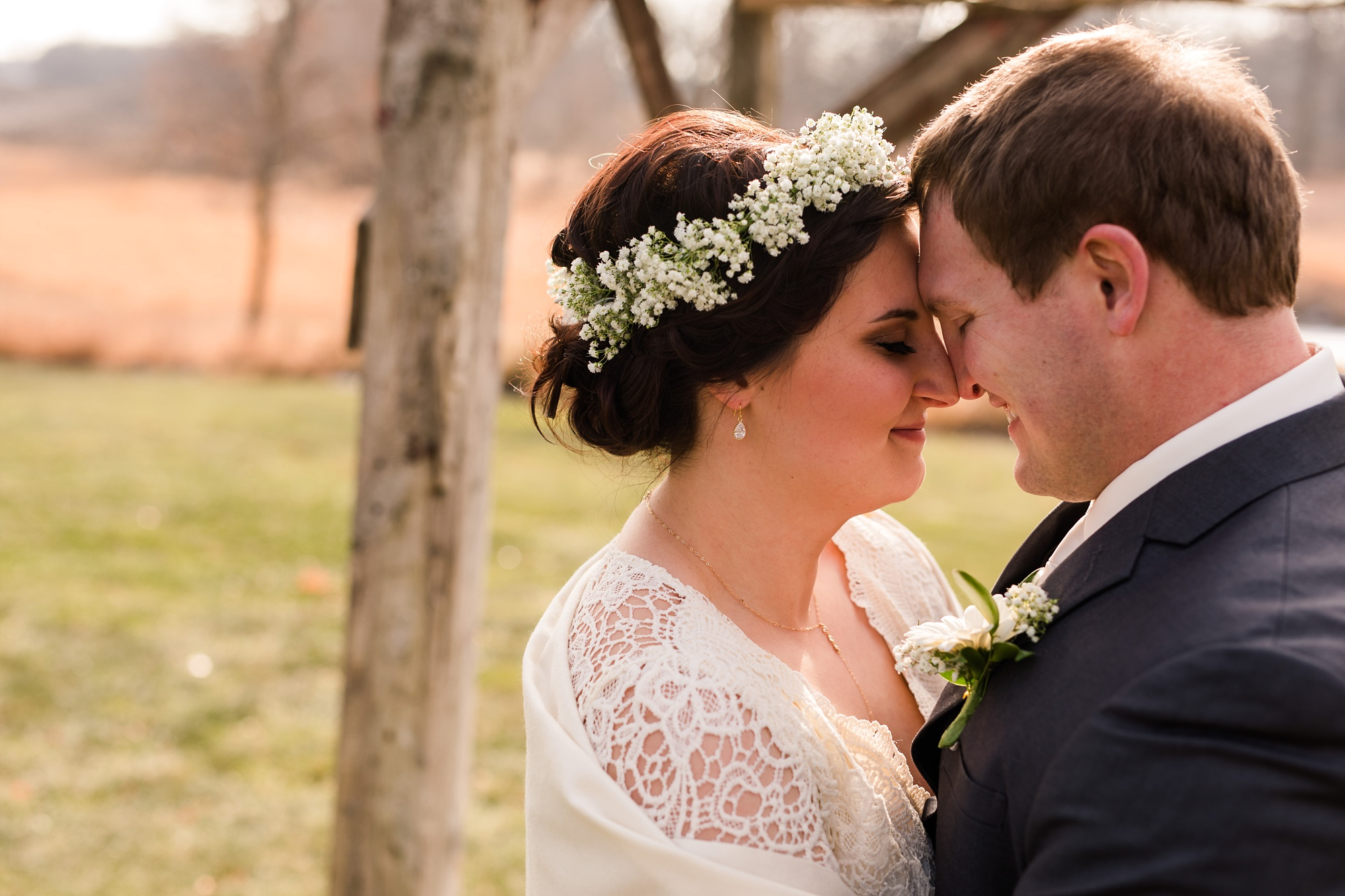 Amber Langerud_Rustic Oaks, MN winter barn wedding_0516.jpg
