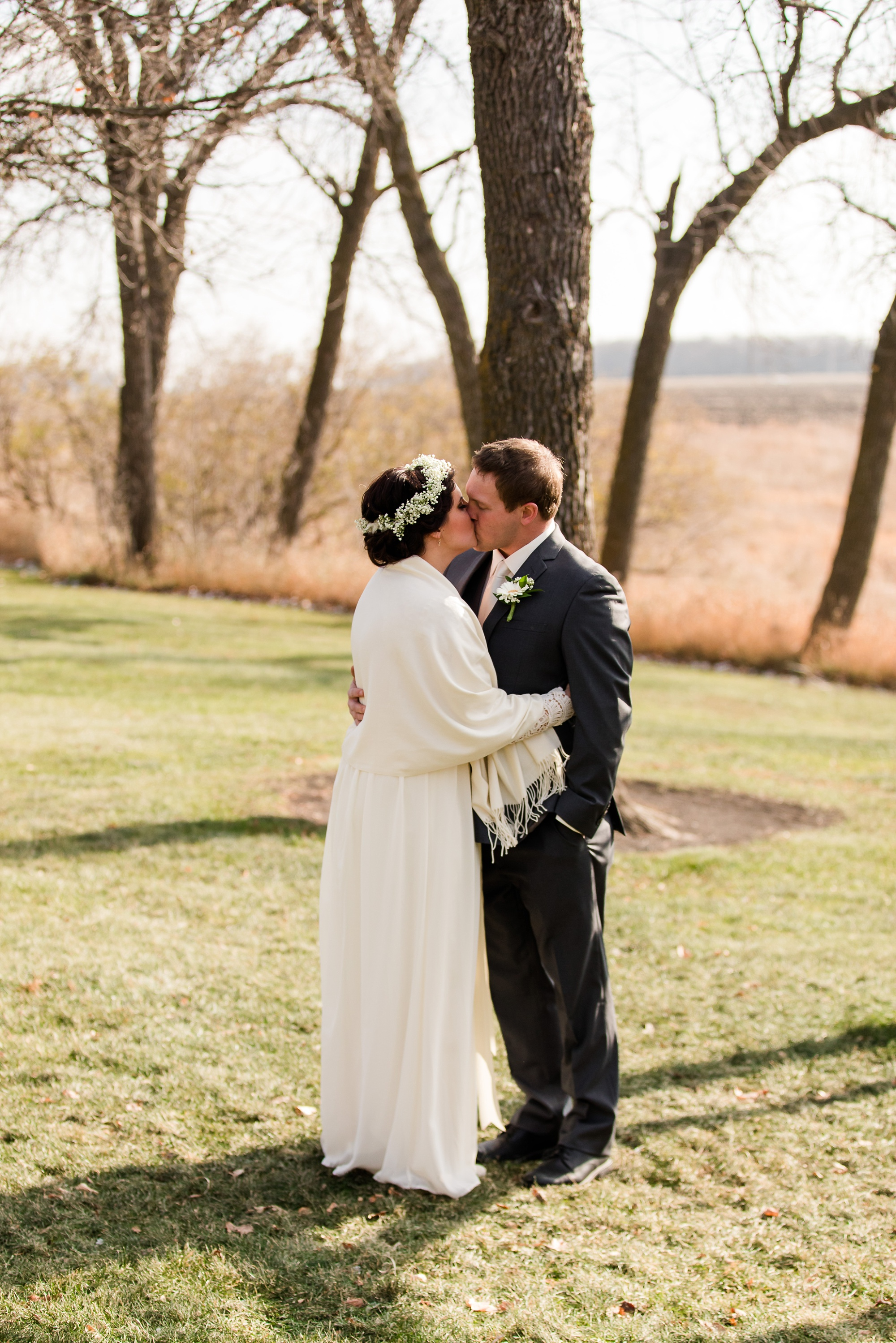 Amber Langerud_Rustic Oaks, MN winter barn wedding_0515.jpg
