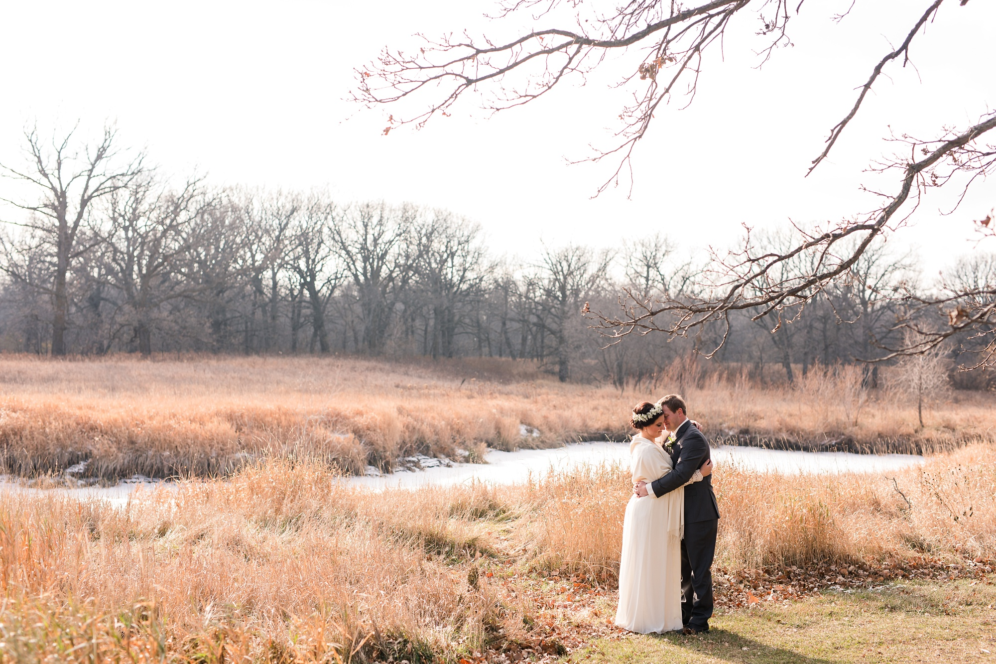 Amber Langerud_Rustic Oaks, MN winter barn wedding_0518.jpg