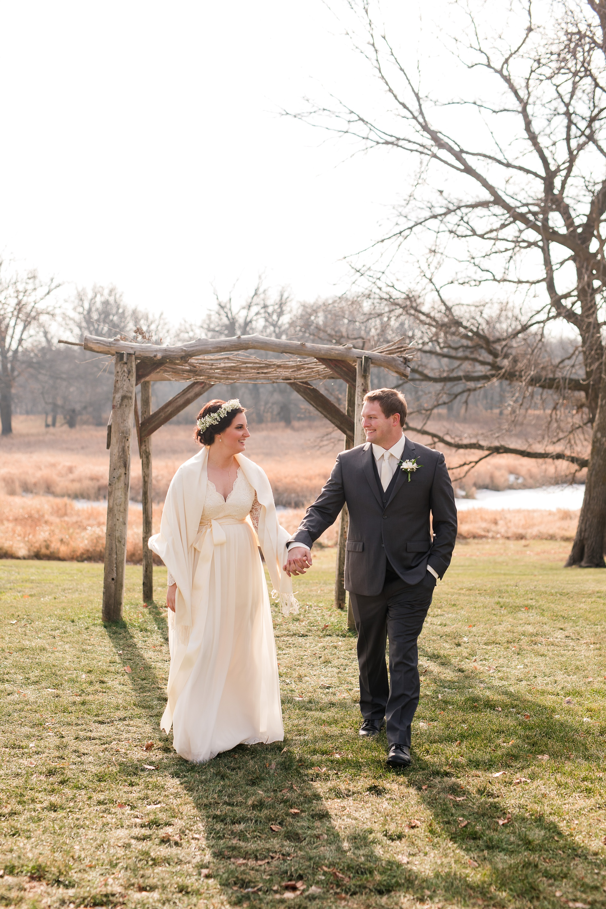 Amber Langerud_Rustic Oaks, MN winter barn wedding_0517.jpg