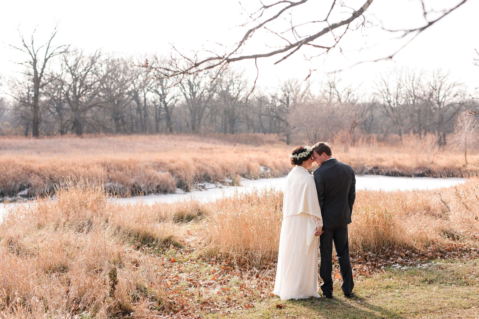 Amber Langerud_Rustic Oaks, MN winter barn wedding_0521.jpg
