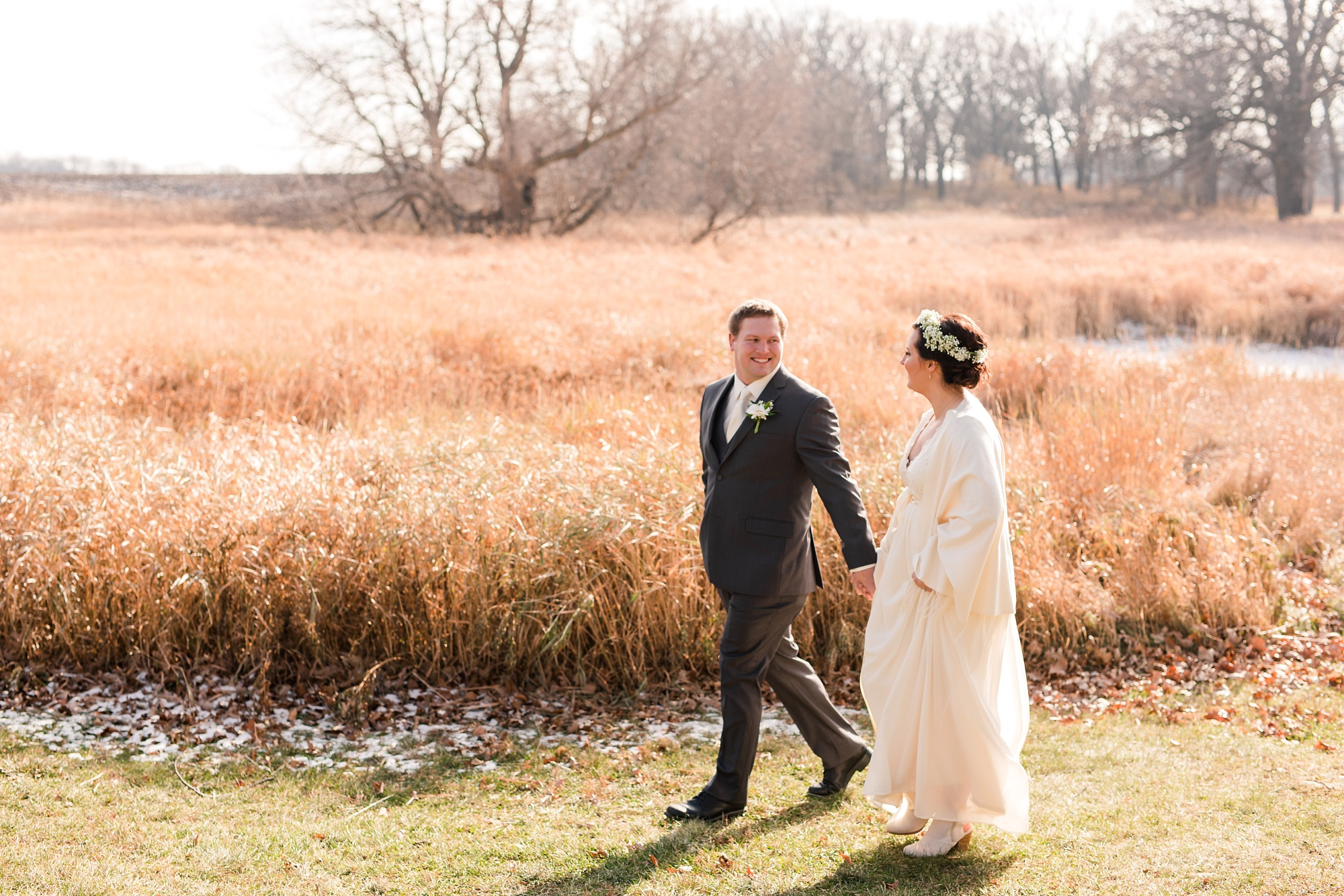 Amber Langerud_Rustic Oaks, MN winter barn wedding_0523.jpg