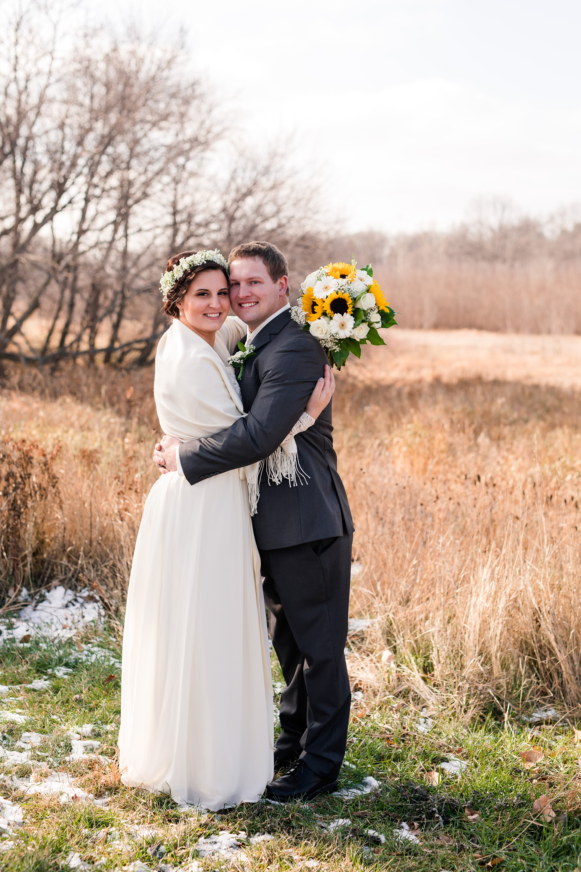 Amber Langerud_Rustic Oaks, MN winter barn wedding_0528.jpg