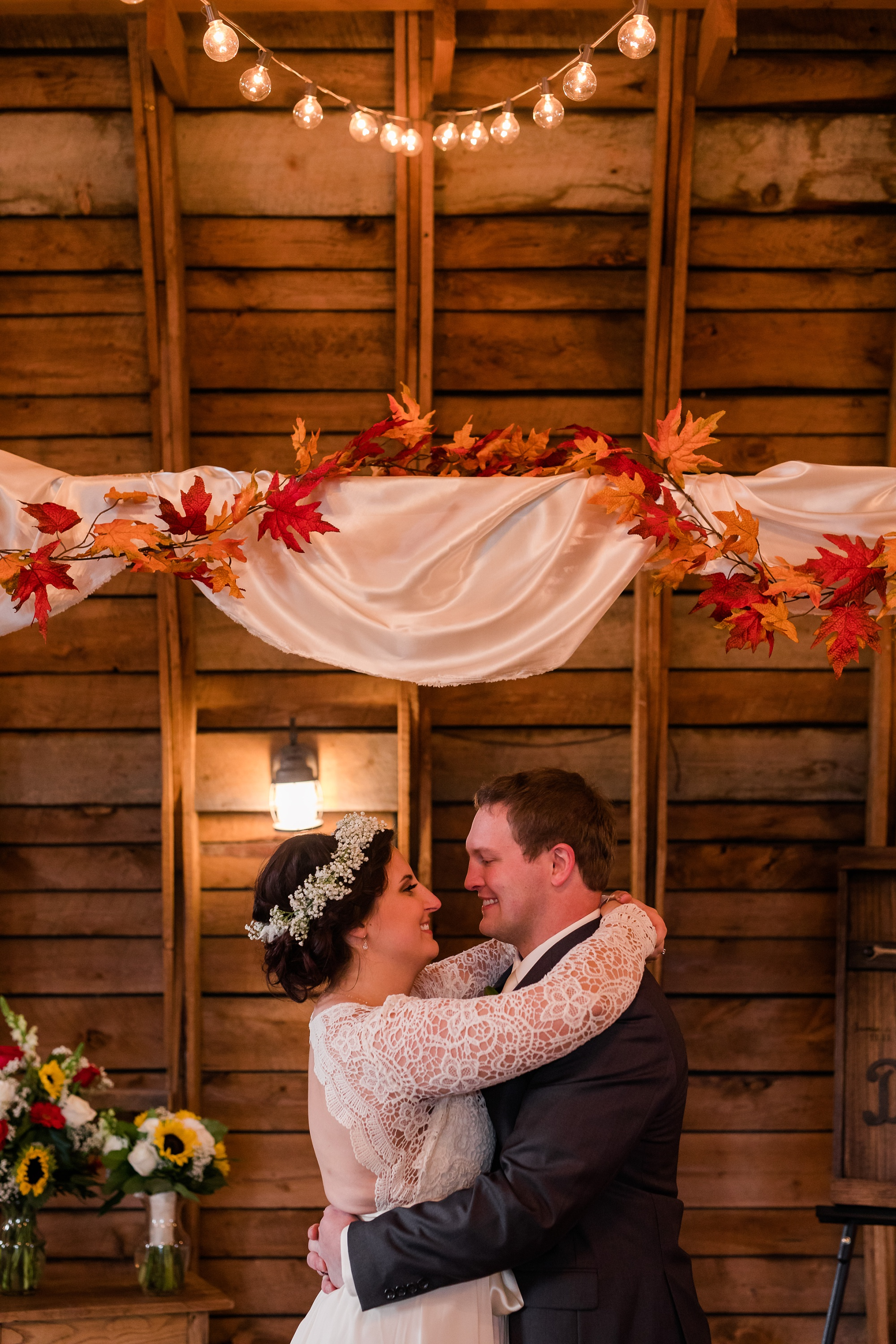 Amber Langerud_Rustic Oaks, MN winter barn wedding_0541.jpg
