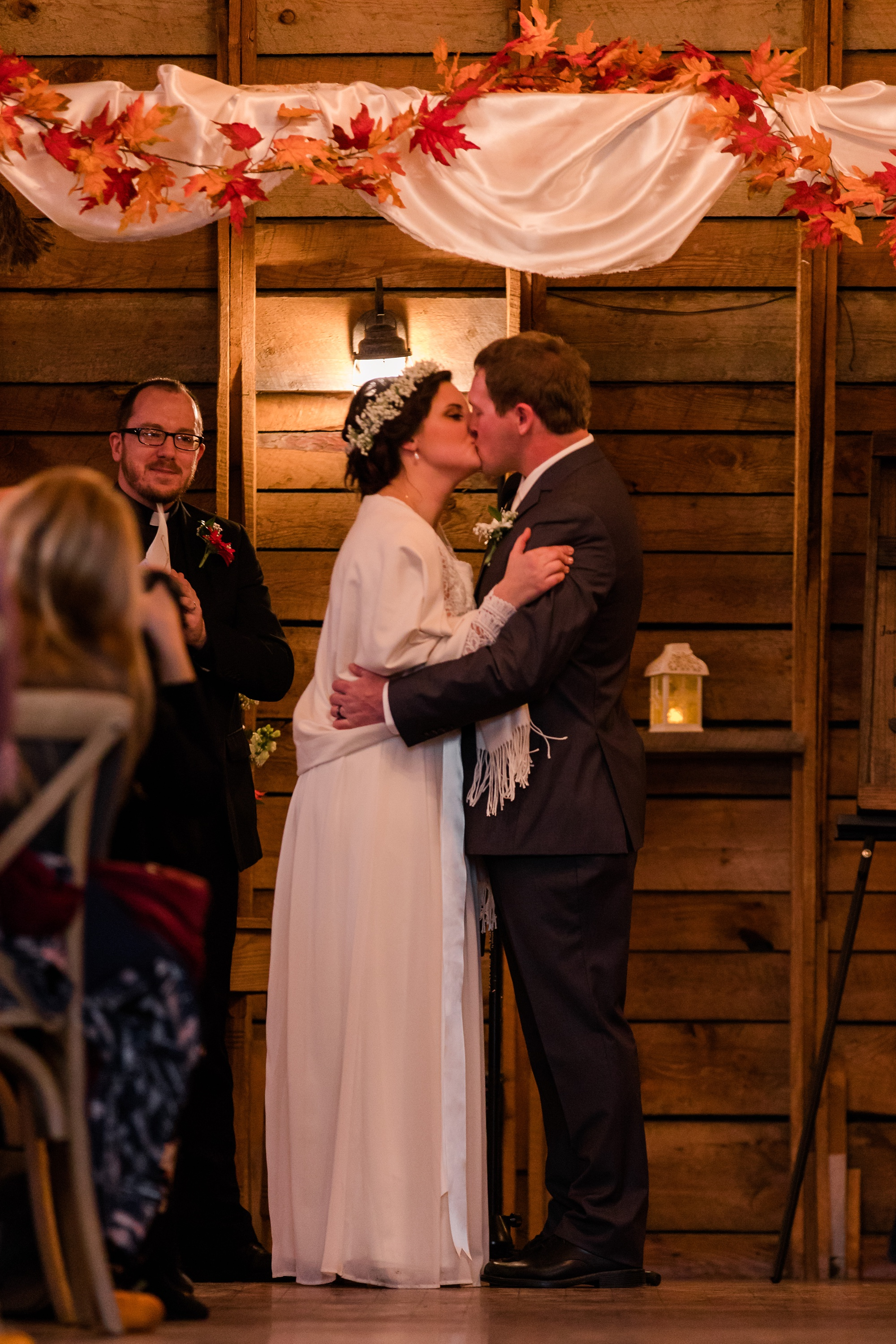 Amber Langerud_Rustic Oaks, MN winter barn wedding_0551.jpg
