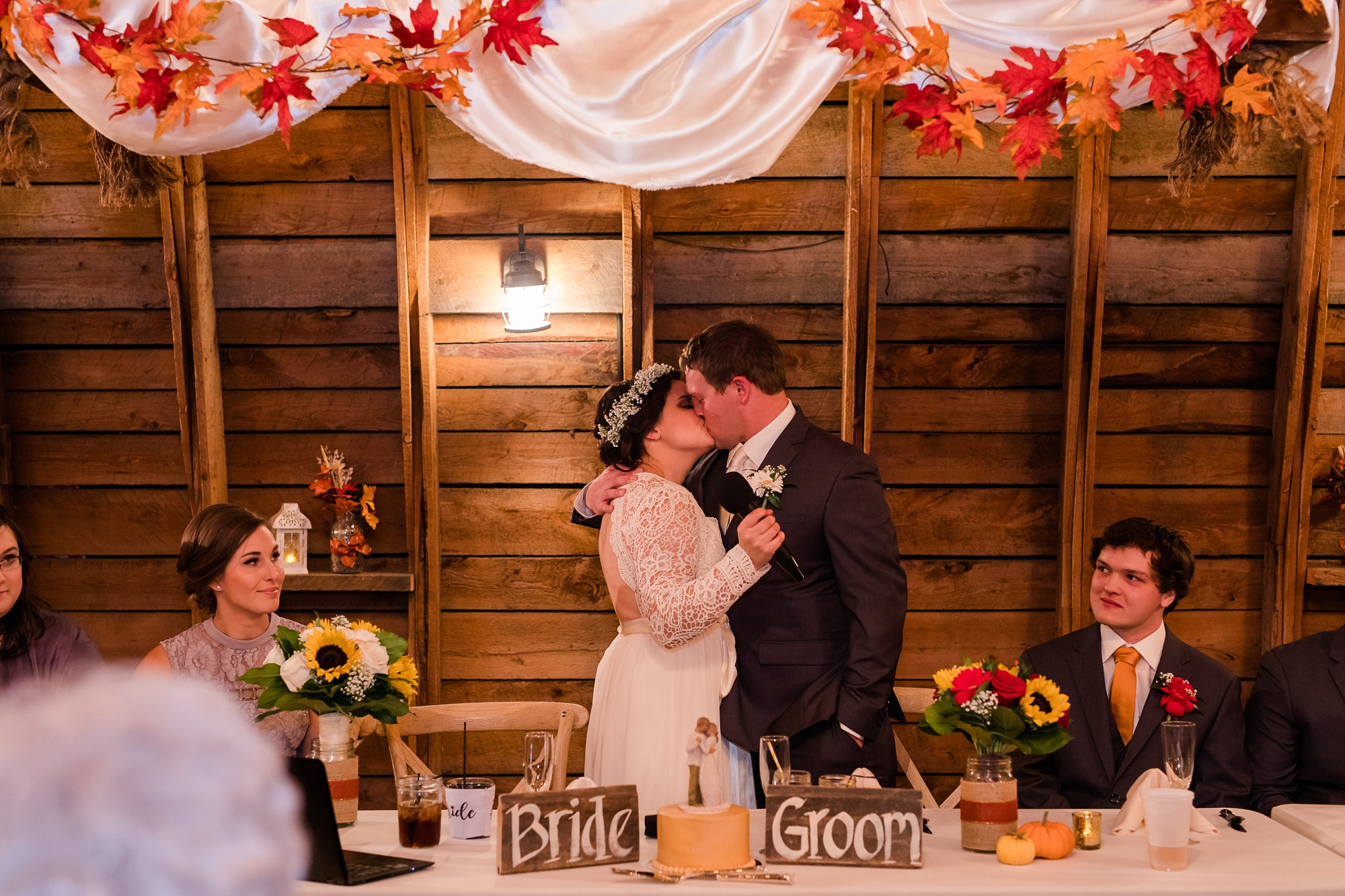 Amber Langerud_Rustic Oaks, MN winter barn wedding_0558.jpg