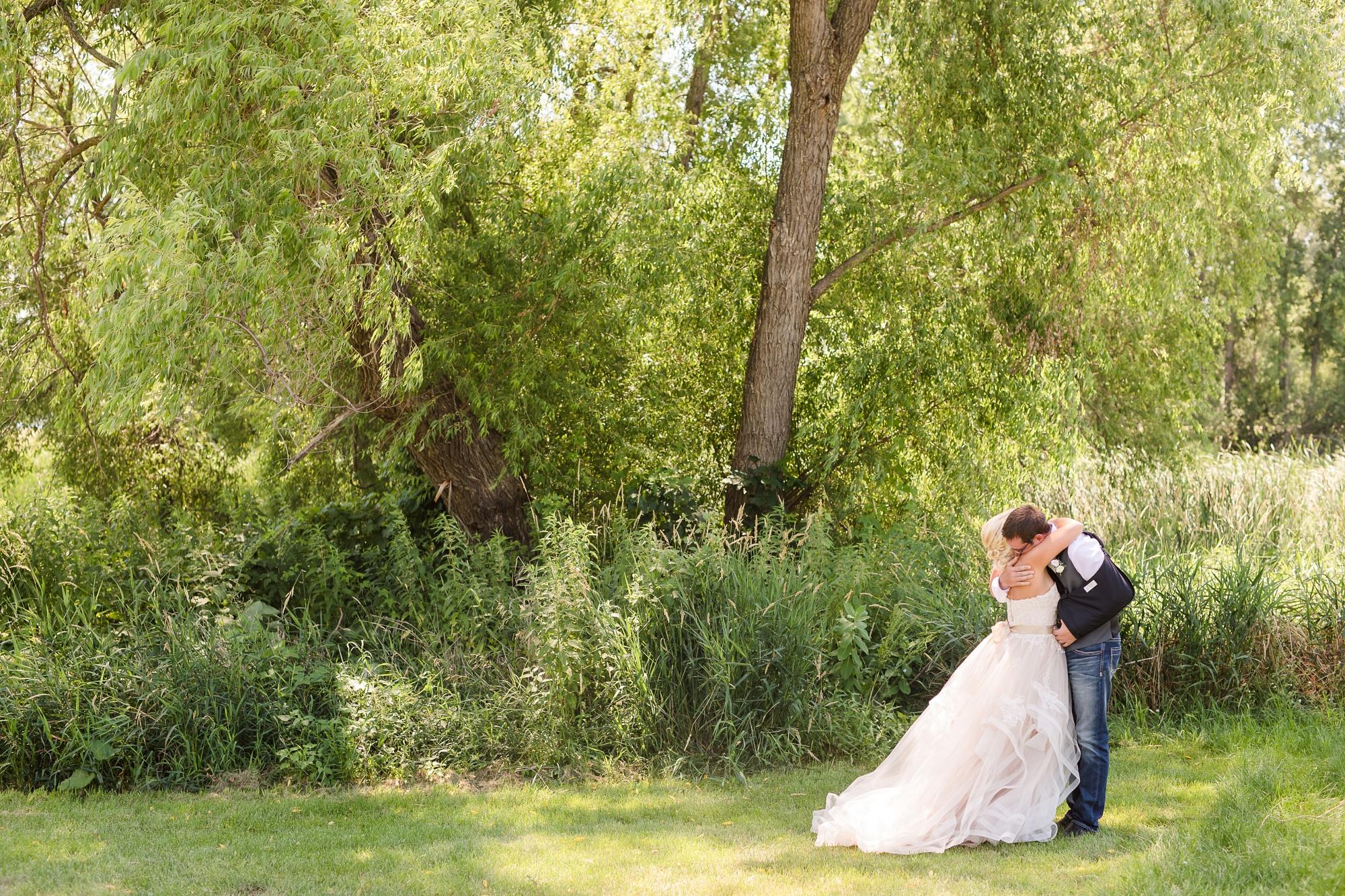 Amber Langerud Photography_Minnesota Barn Wedding_5137.jpg
