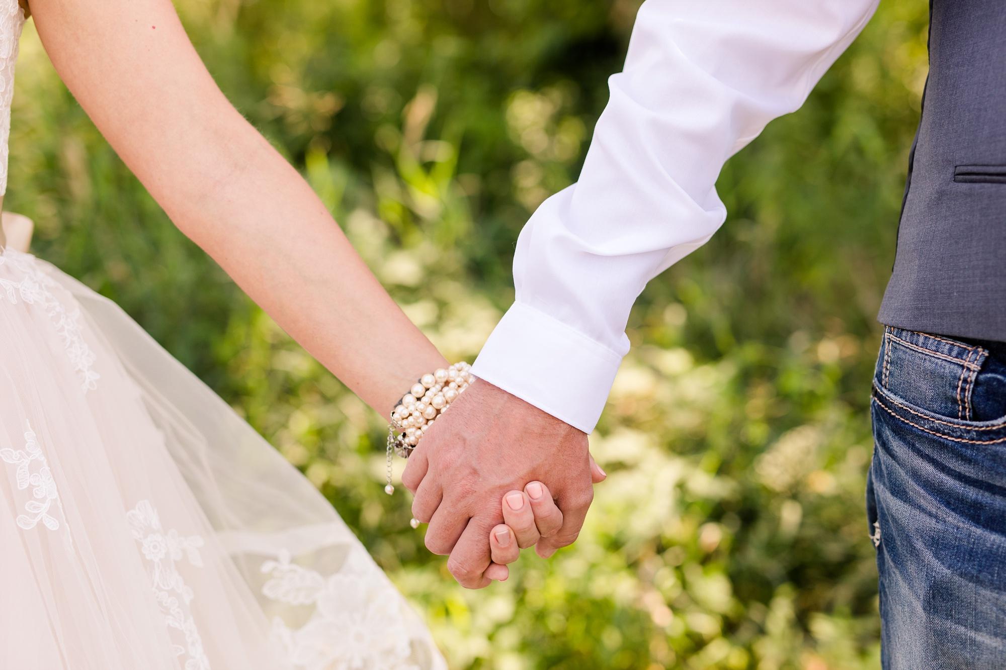 Amber Langerud Photography_Minnesota Barn Wedding_5148.jpg