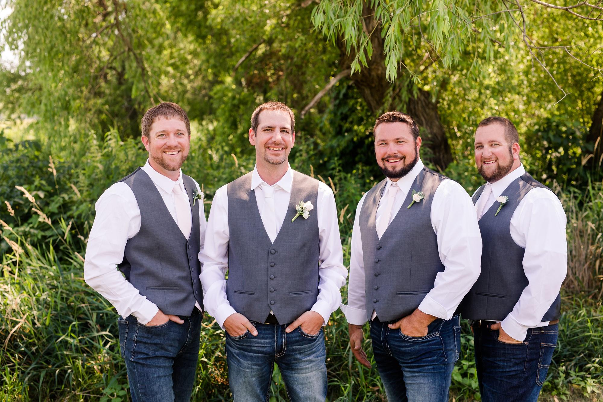 Amber Langerud Photography_Minnesota Barn Wedding_5164.jpg