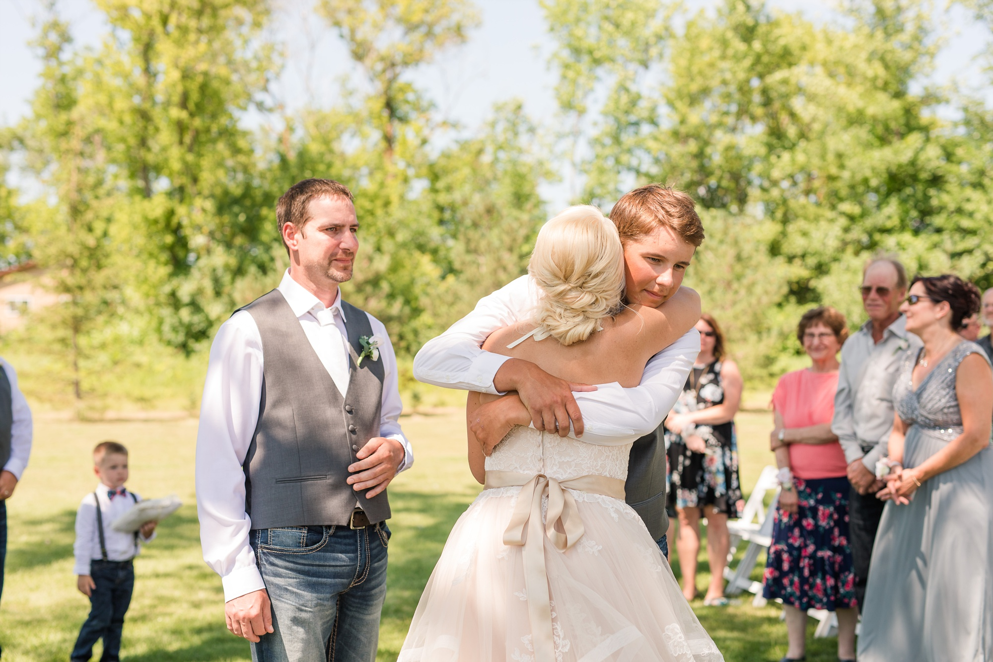 Amber Langerud Photography_Minnesota Barn Wedding_5174.jpg