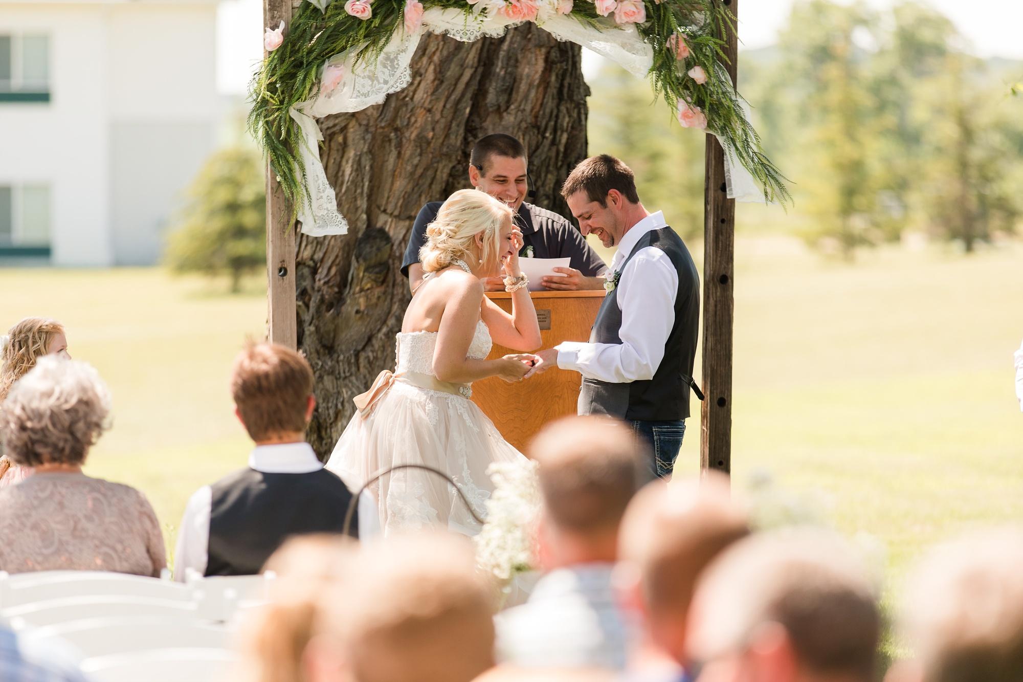 Amber Langerud Photography_Minnesota Barn Wedding_5178.jpg