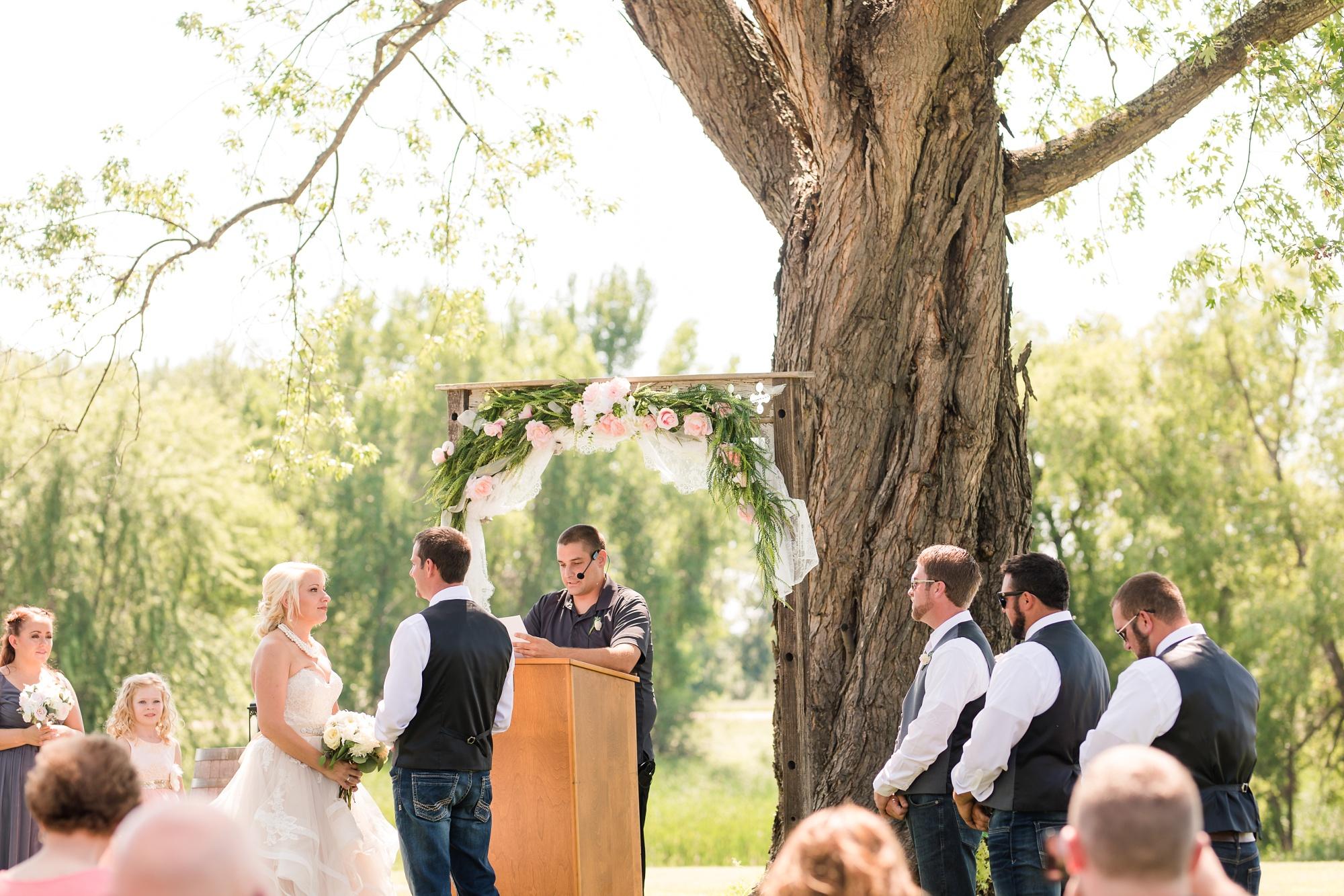 Amber Langerud Photography_Minnesota Barn Wedding_5177.jpg