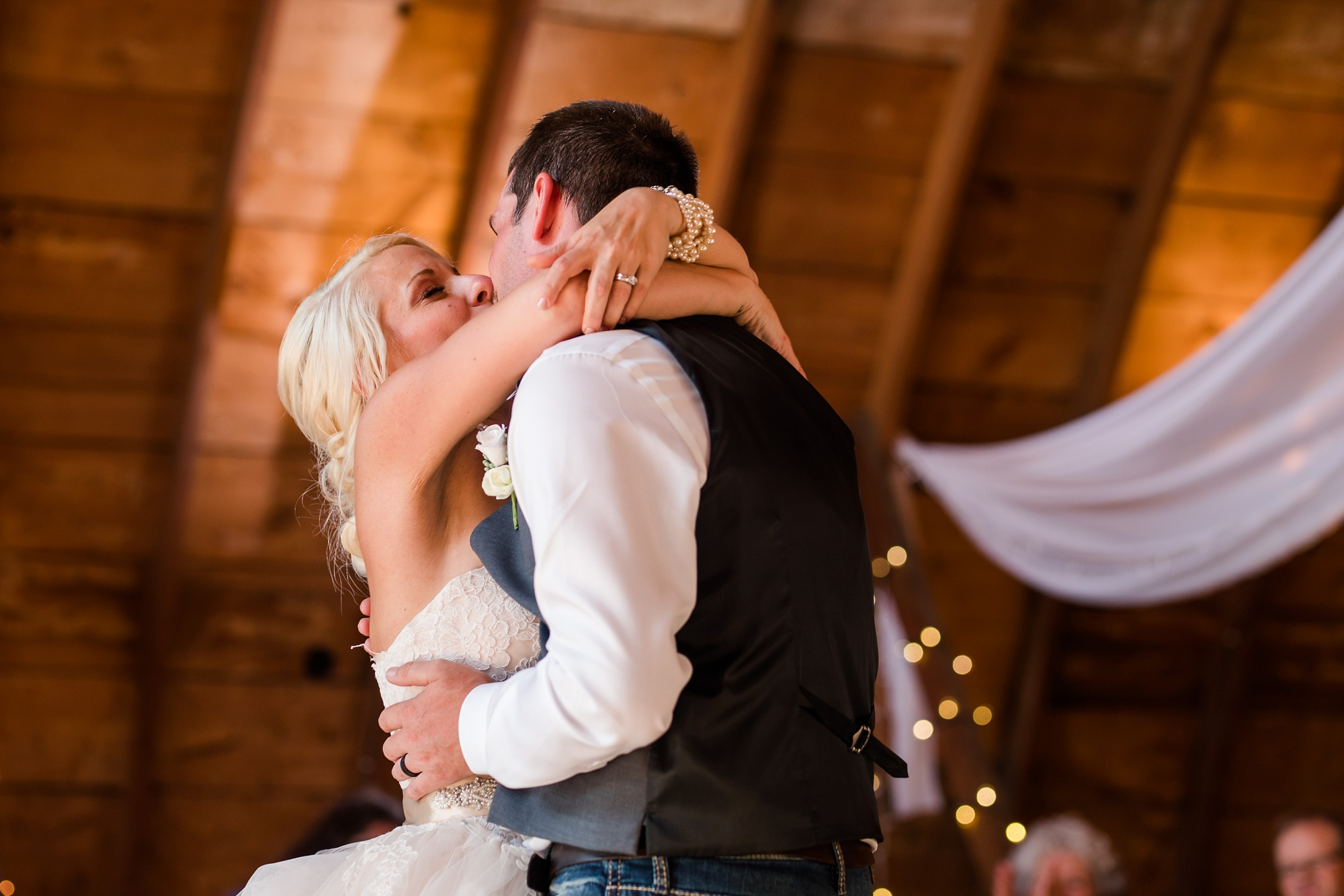 Amber Langerud Photography_Minnesota Barn Wedding_5195.jpg