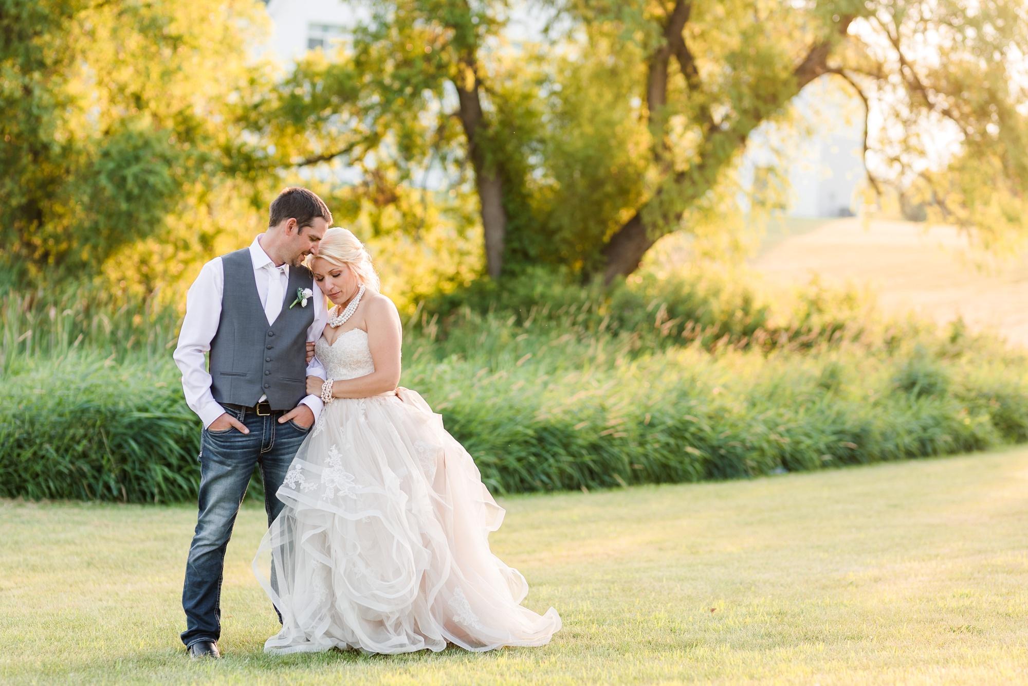 Amber Langerud Photography_Minnesota Barn Wedding_5207.jpg