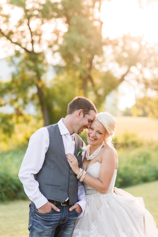 Amber Langerud Photography_Minnesota Barn Wedding_5209.jpg
