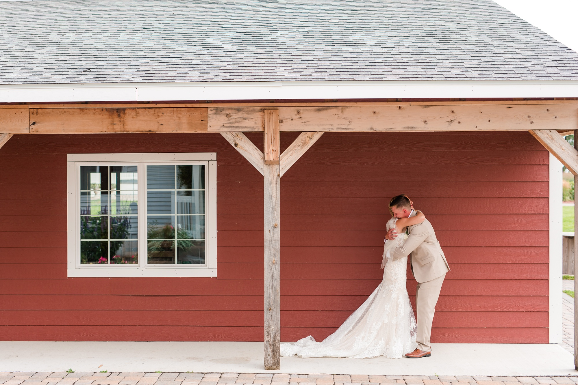 Amber Langerud Photography_Vintage Garden Minnesota Barn Wedding_5316.jpg