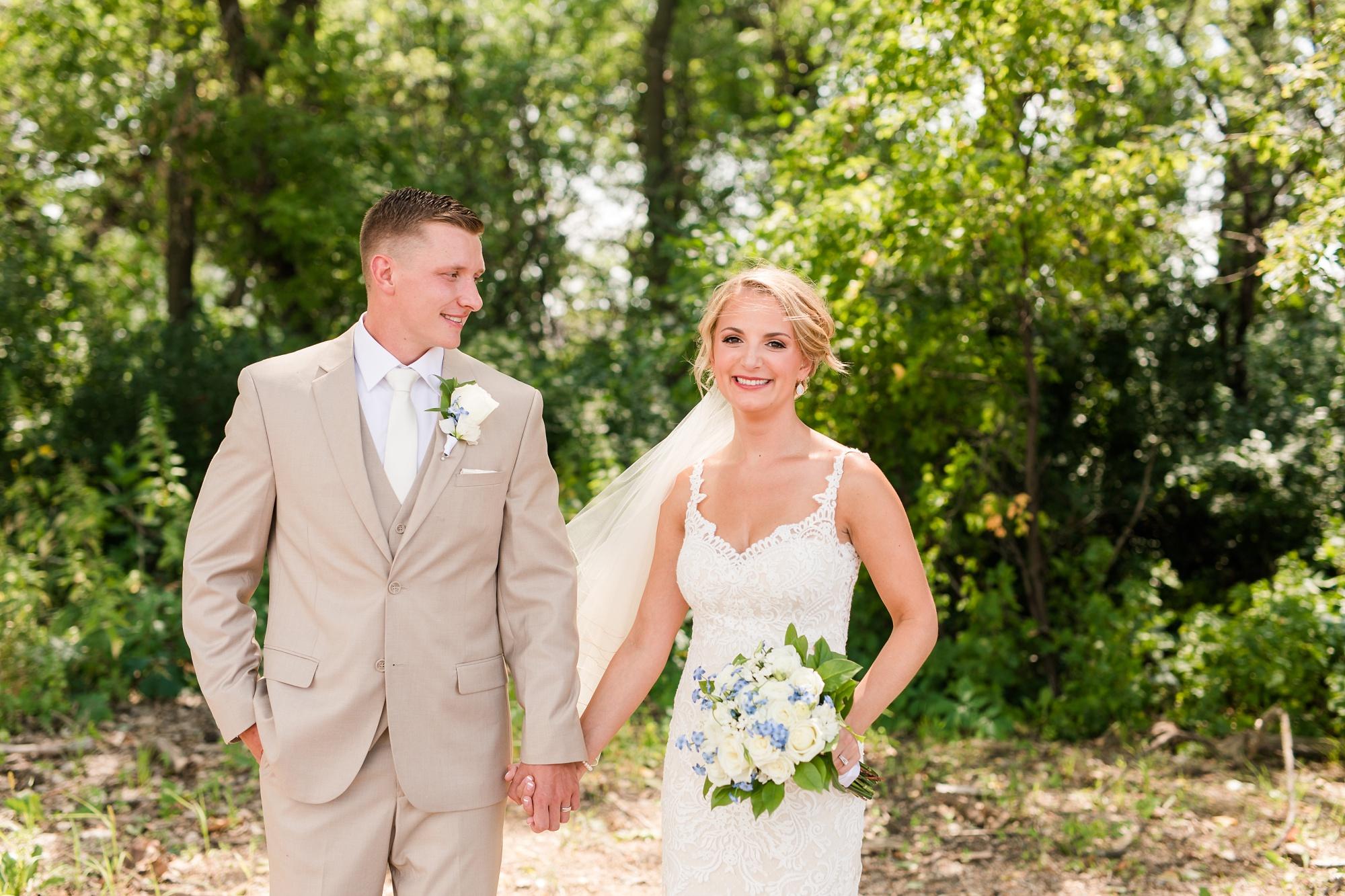 Amber Langerud Photography_Vintage Garden Minnesota Barn Wedding_5328.jpg