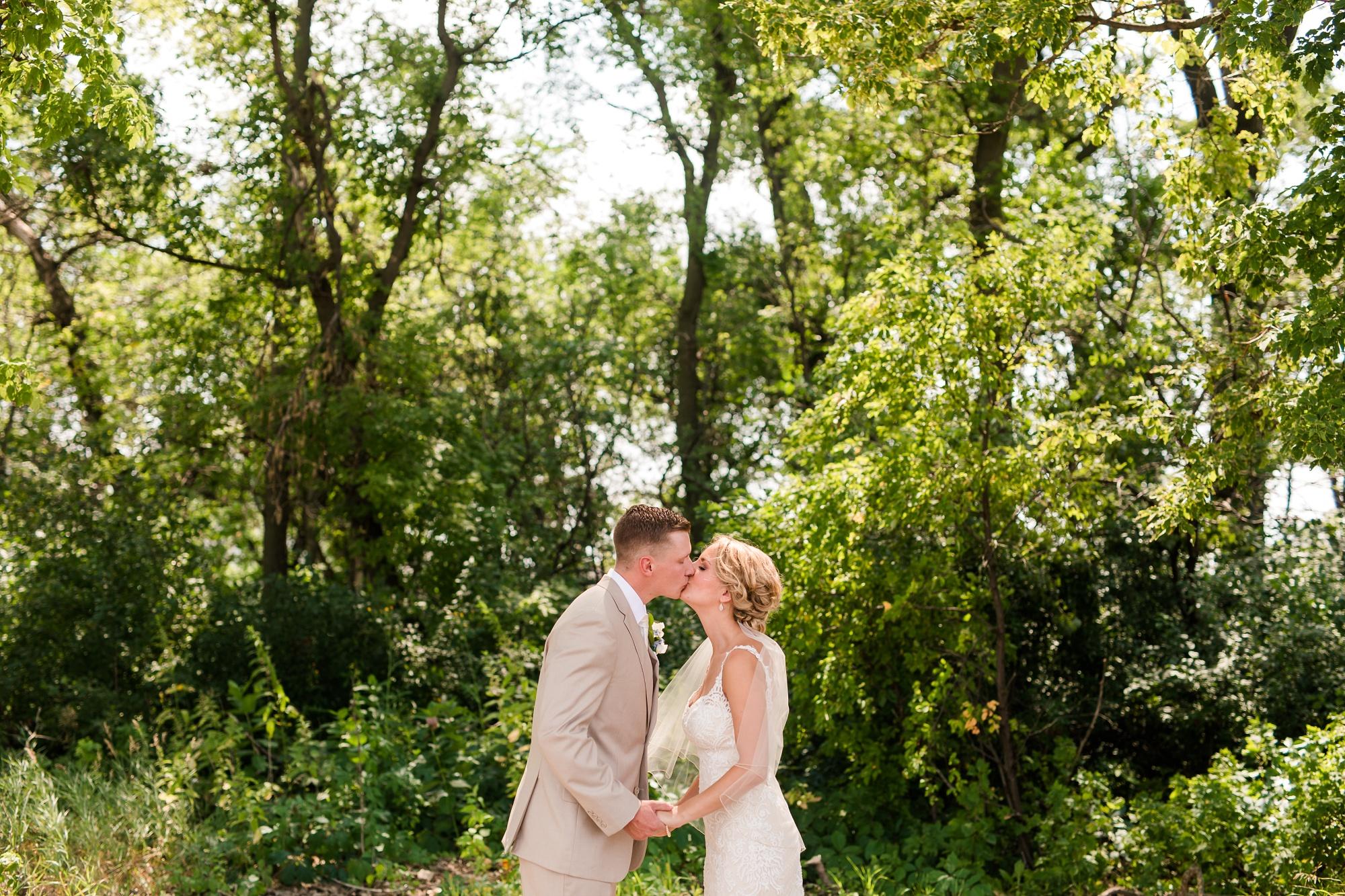 Amber Langerud Photography_Vintage Garden Minnesota Barn Wedding_5331.jpg