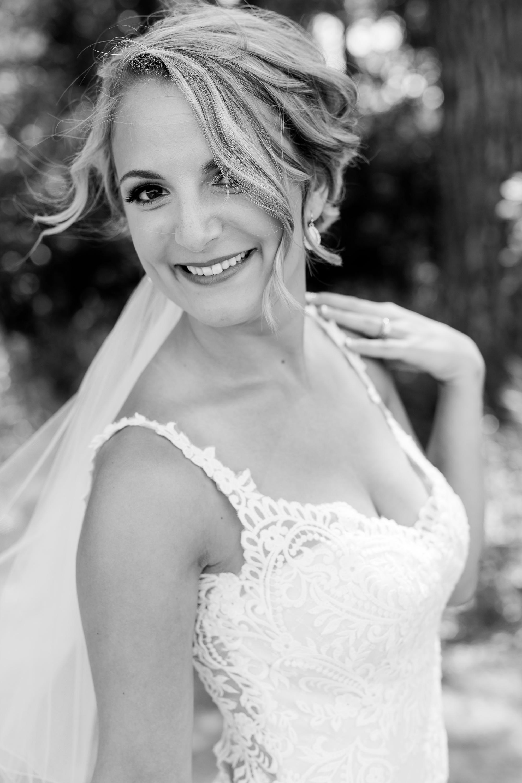 Amber Langerud Photography_Vintage Garden Minnesota Barn Wedding_5353.jpg