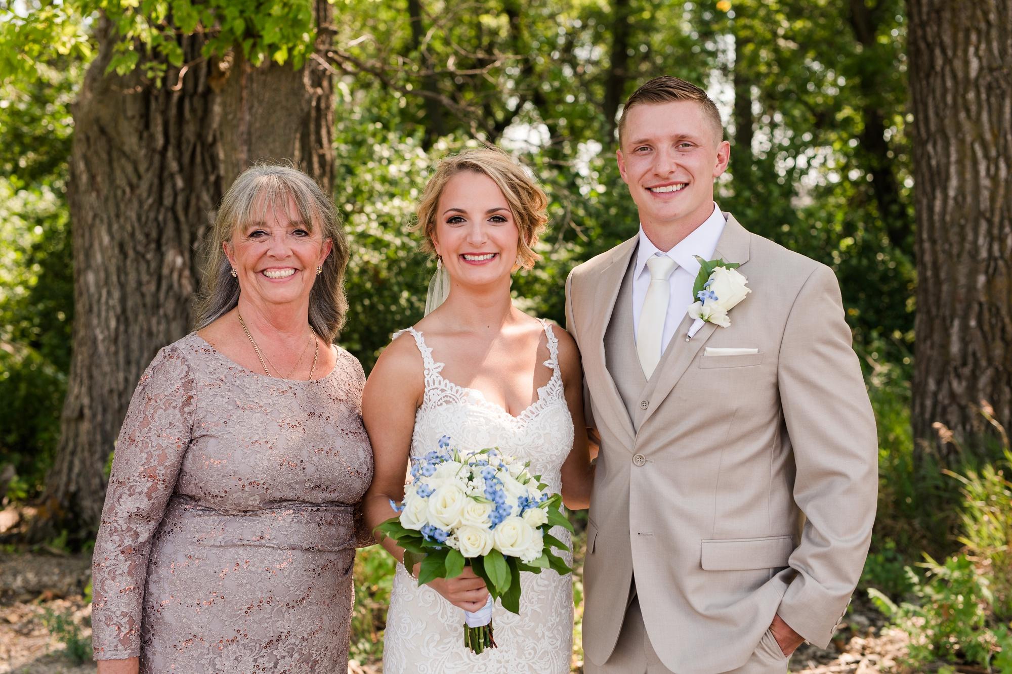 Amber Langerud Photography_Vintage Garden Minnesota Barn Wedding_5357.jpg