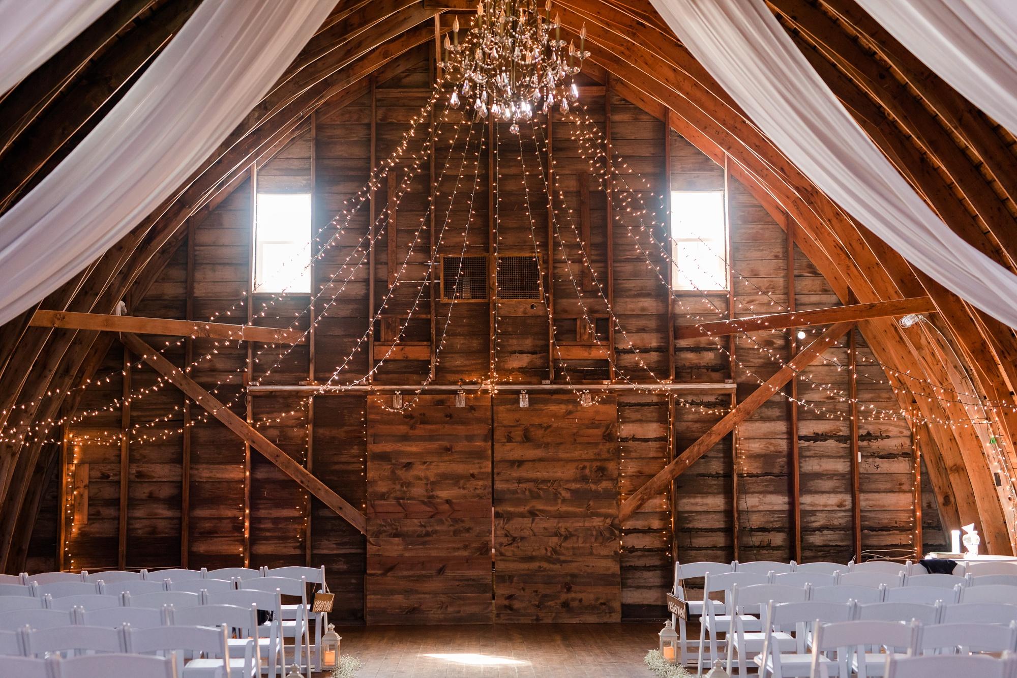Amber Langerud Photography_Vintage Garden Minnesota Barn Wedding_5362.jpg