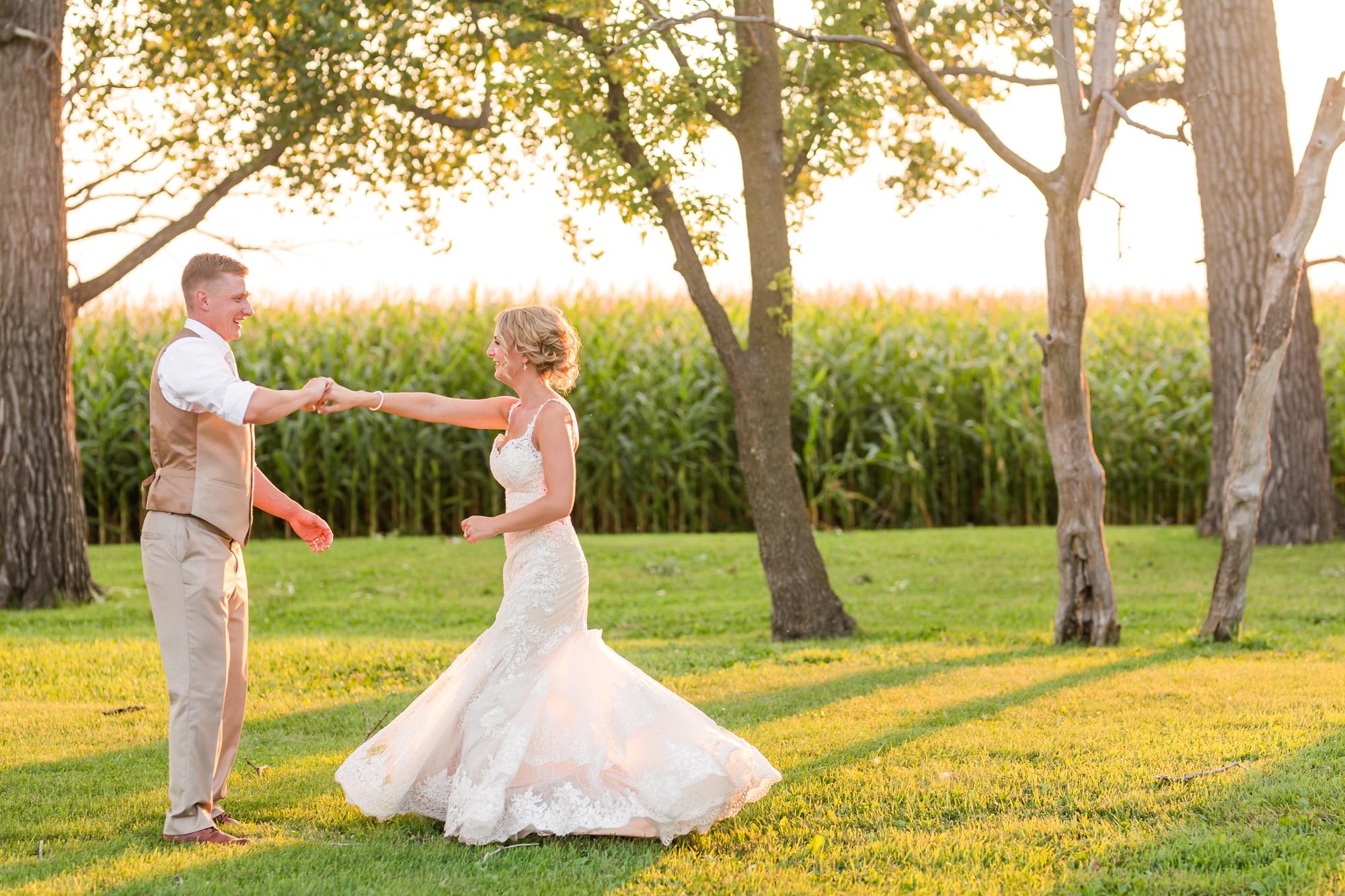 Amber Langerud Photography_Vintage Garden Minnesota Barn Wedding_5395.jpg