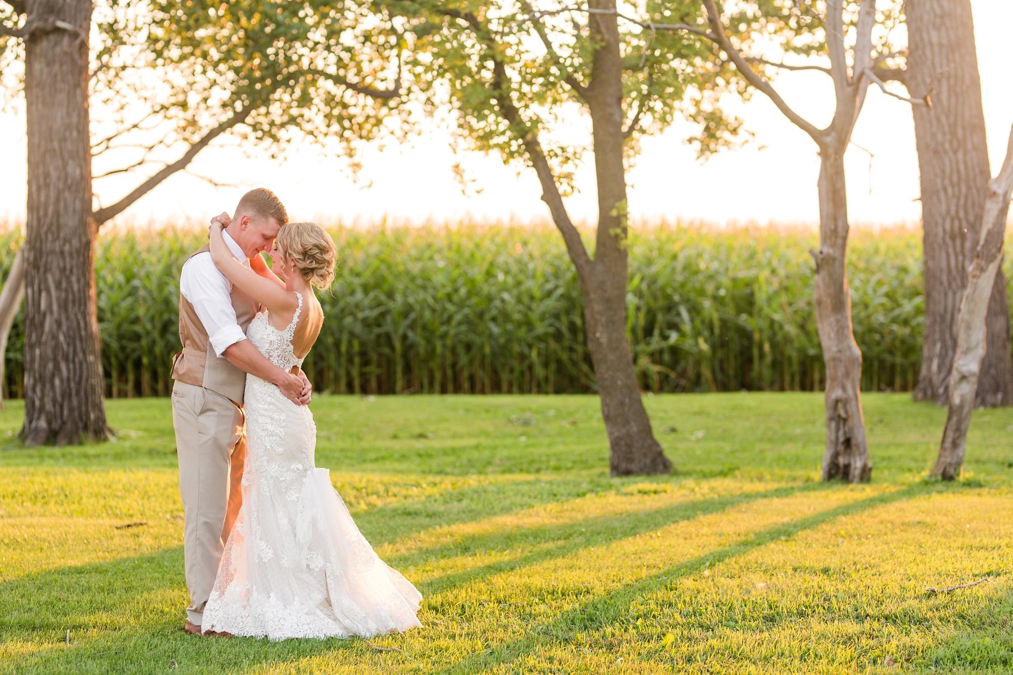 Amber Langerud Photography_Vintage Garden Minnesota Barn Wedding_5393.jpg