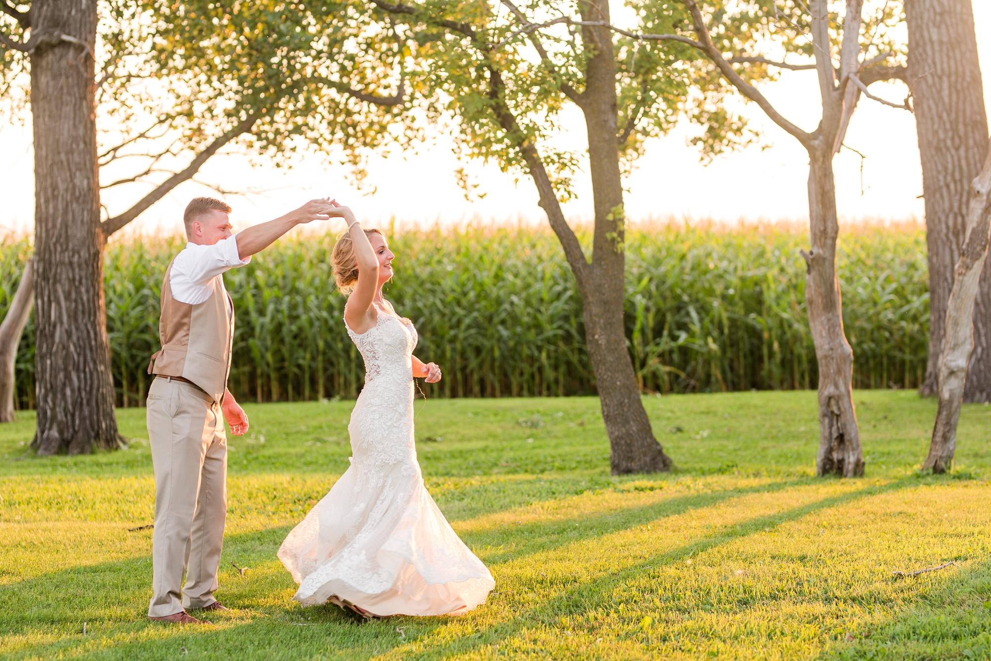 Amber Langerud Photography_Vintage Garden Minnesota Barn Wedding_5396.jpg