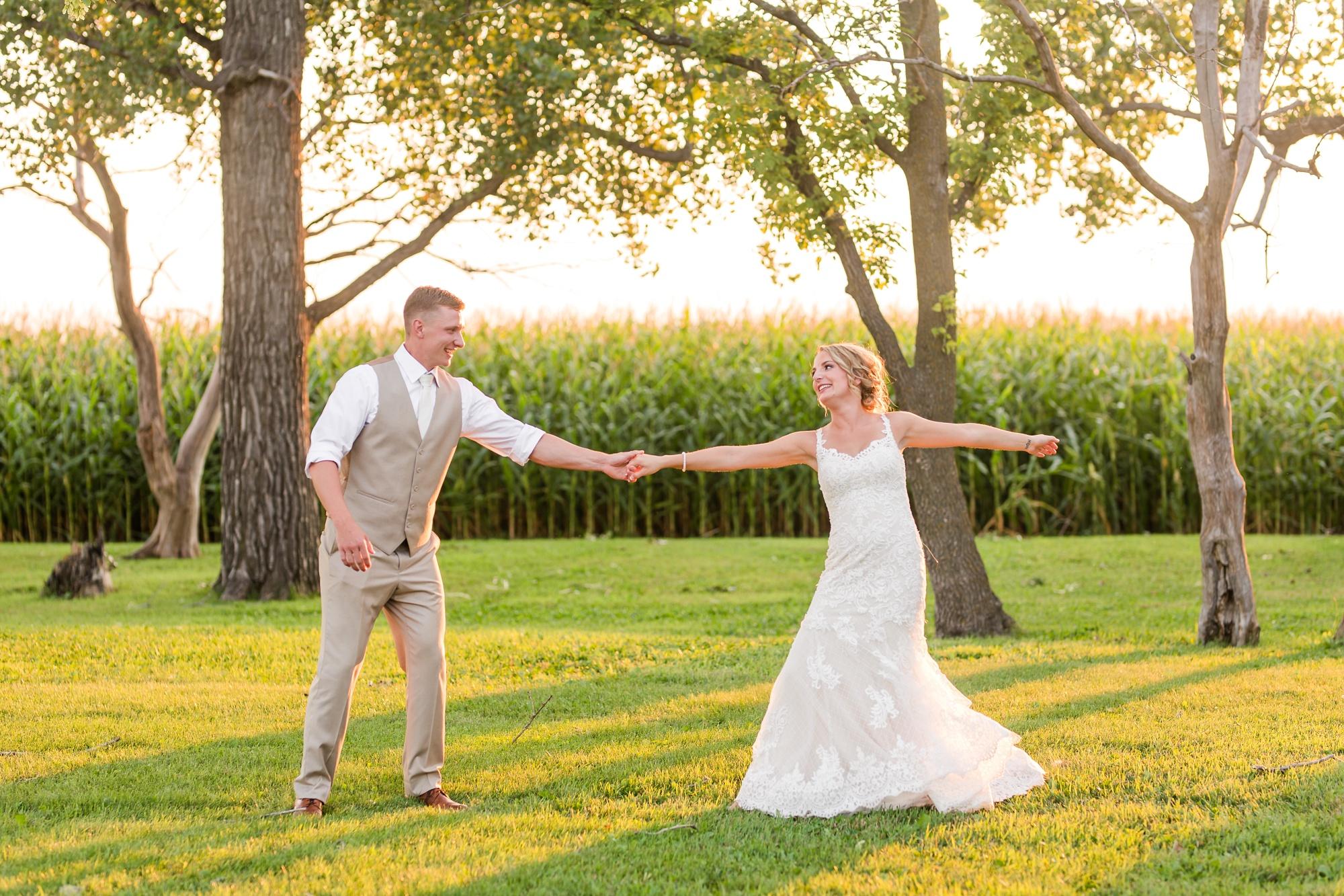 Amber Langerud Photography_Vintage Garden Minnesota Barn Wedding_5398.jpg