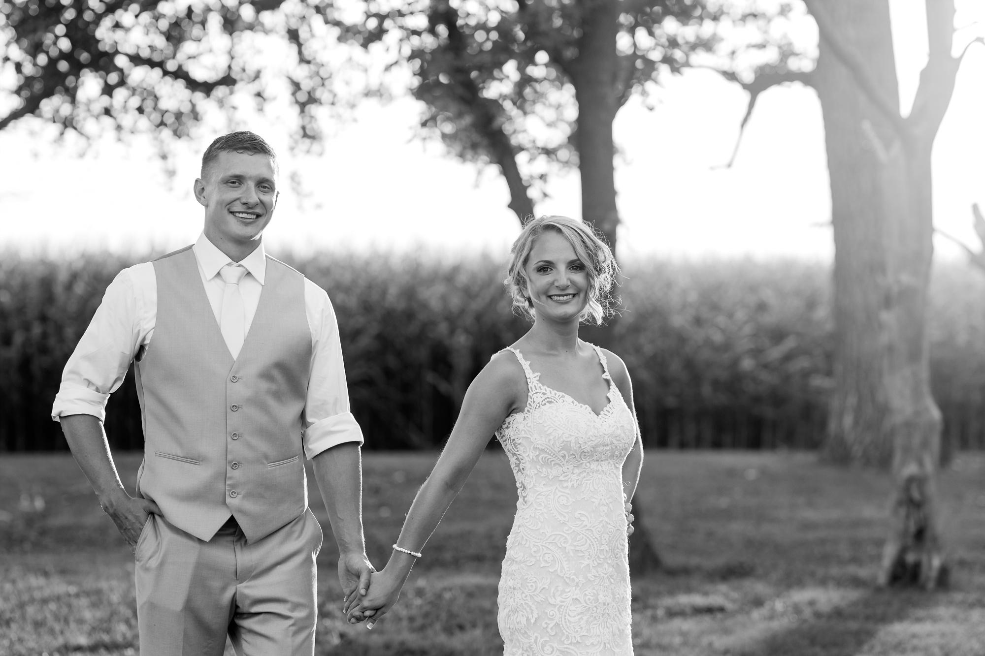 Amber Langerud Photography_Vintage Garden Minnesota Barn Wedding_5401.jpg