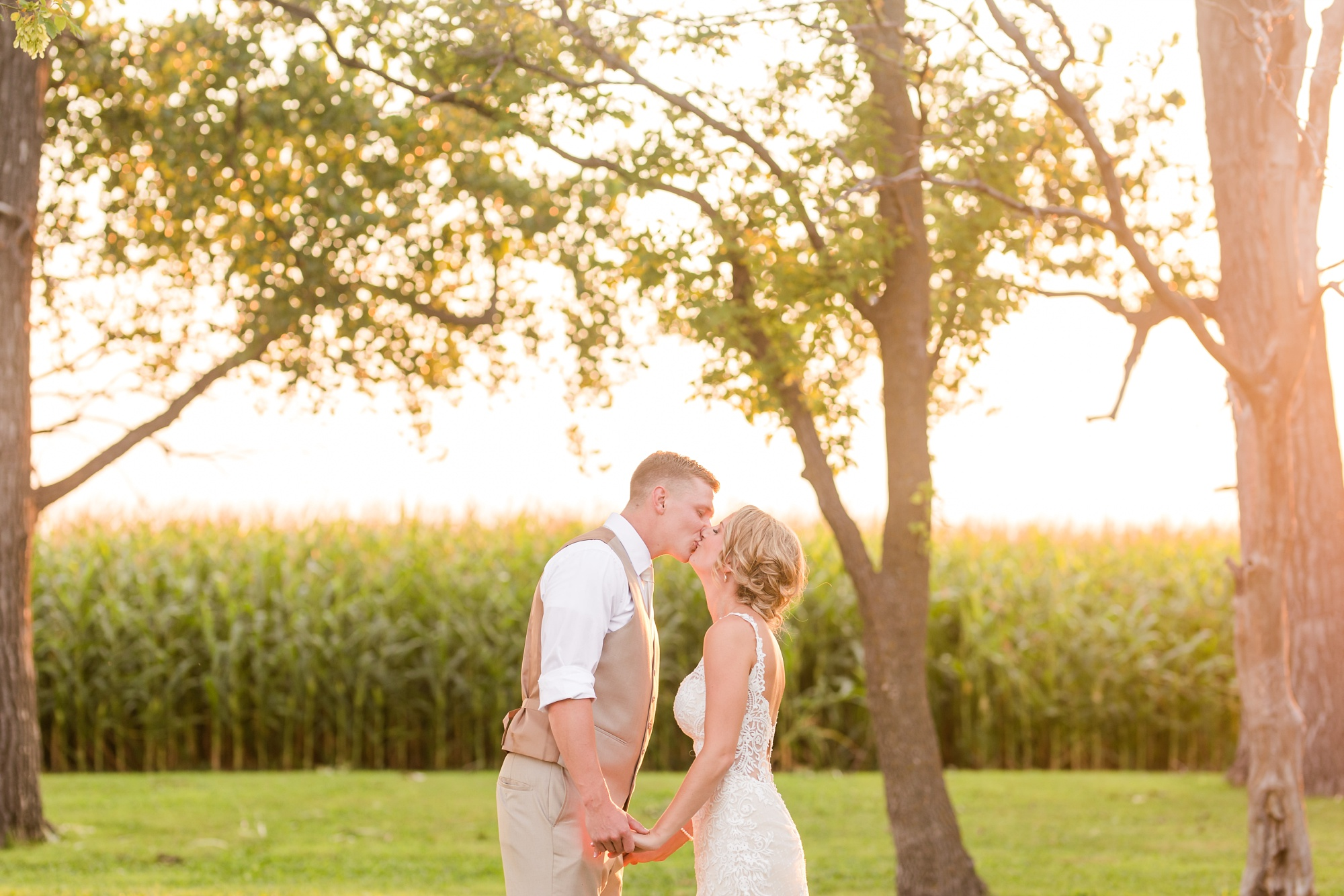 Amber Langerud Photography_Vintage Garden Minnesota Barn Wedding_5400.jpg