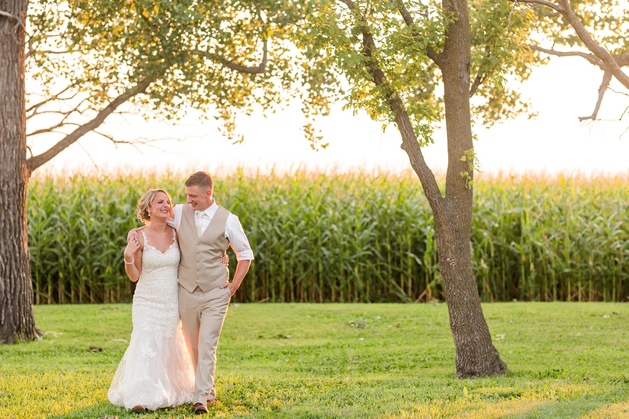 Amber Langerud Photography_Vintage Garden Minnesota Barn Wedding_5403.jpg