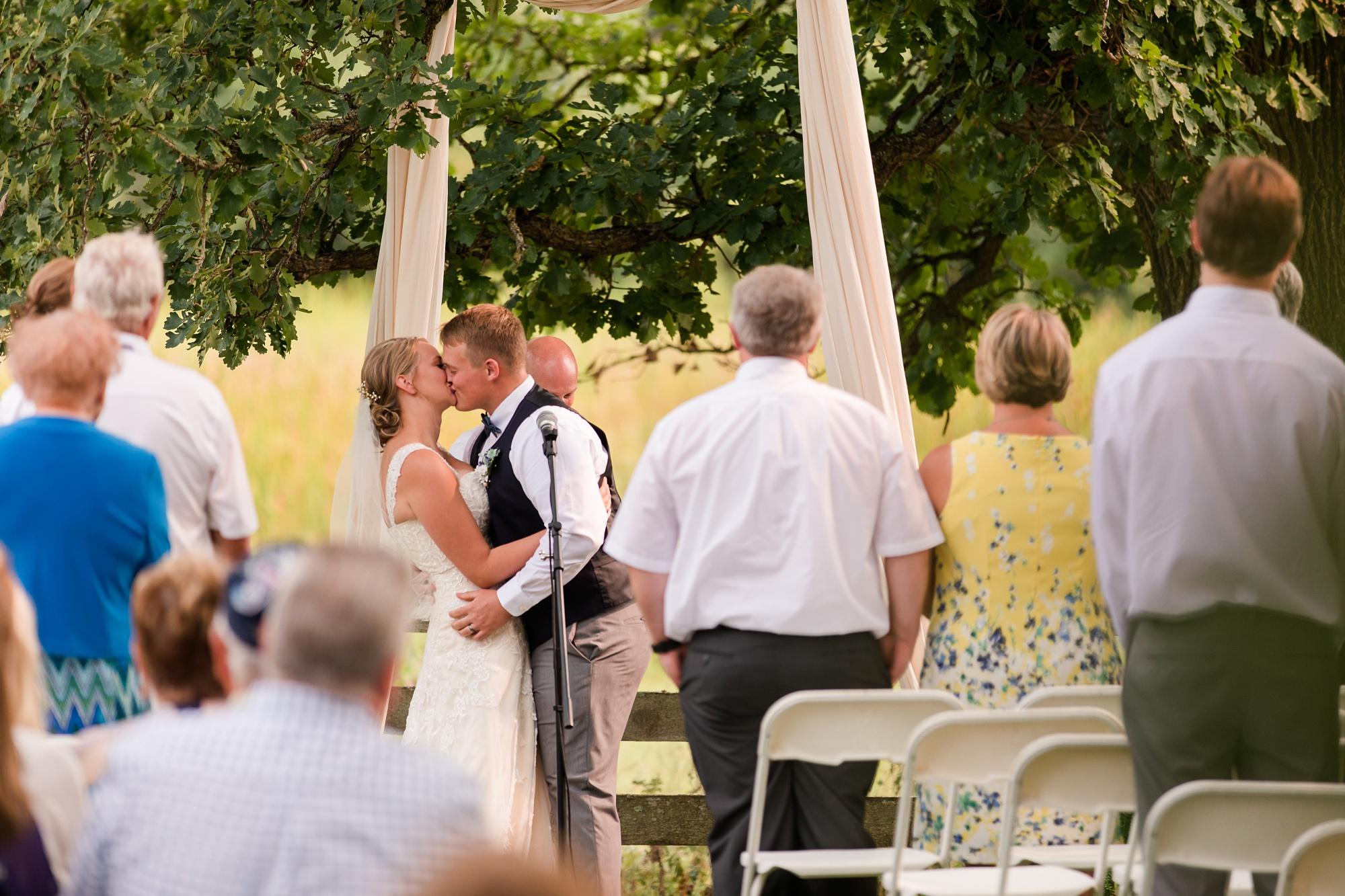 Amber Langerud Photography_Farmsite, Country Wedding_5624.jpg