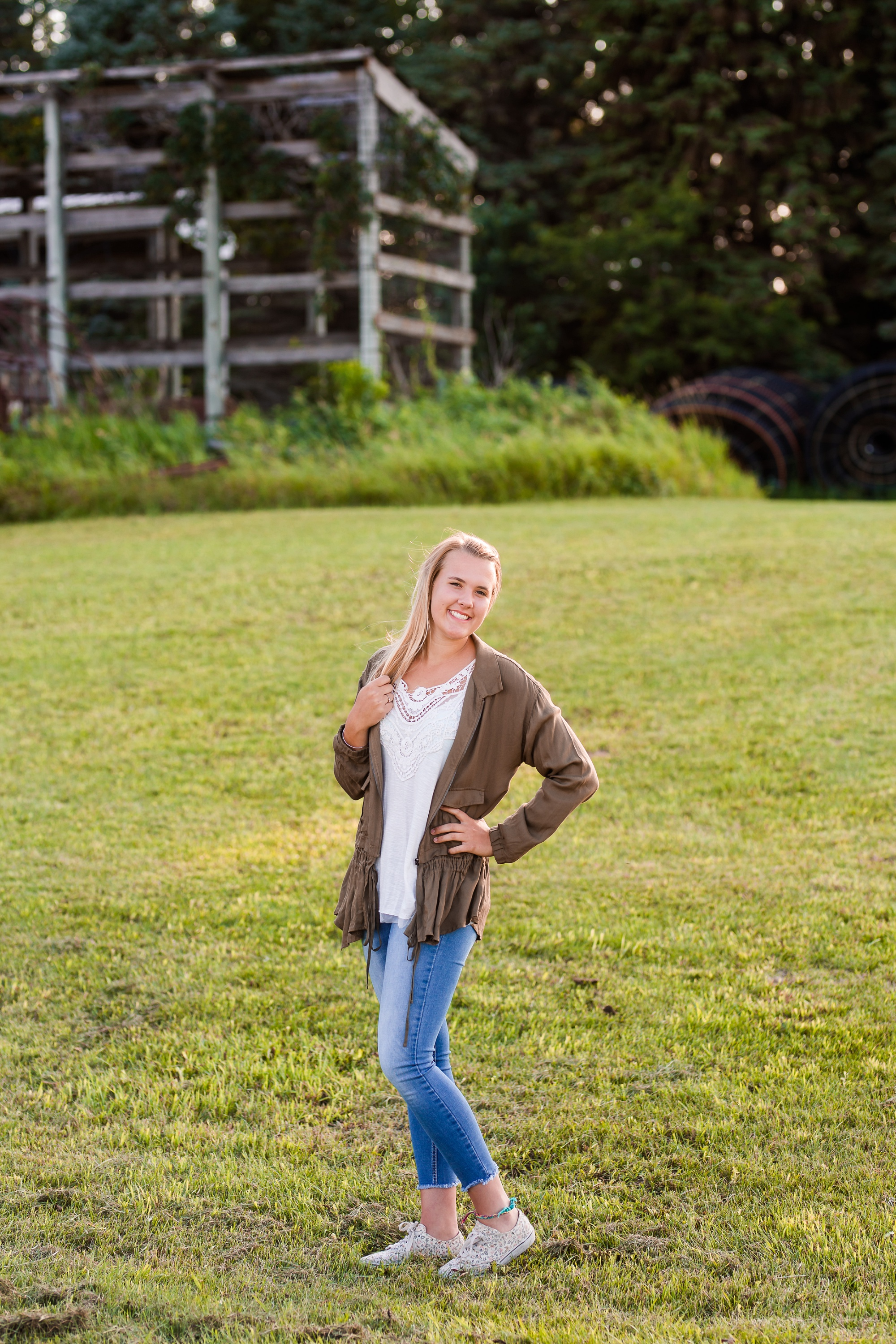 Amber Langerud Photography_Twin Senior Pictures DLHS_5651.jpg