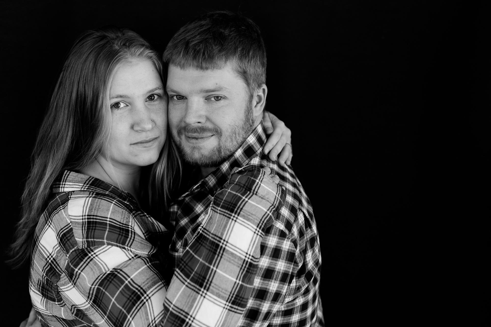 Amber Langerud Photography_Minnesota Winter Engagement Portraits_6130.jpg